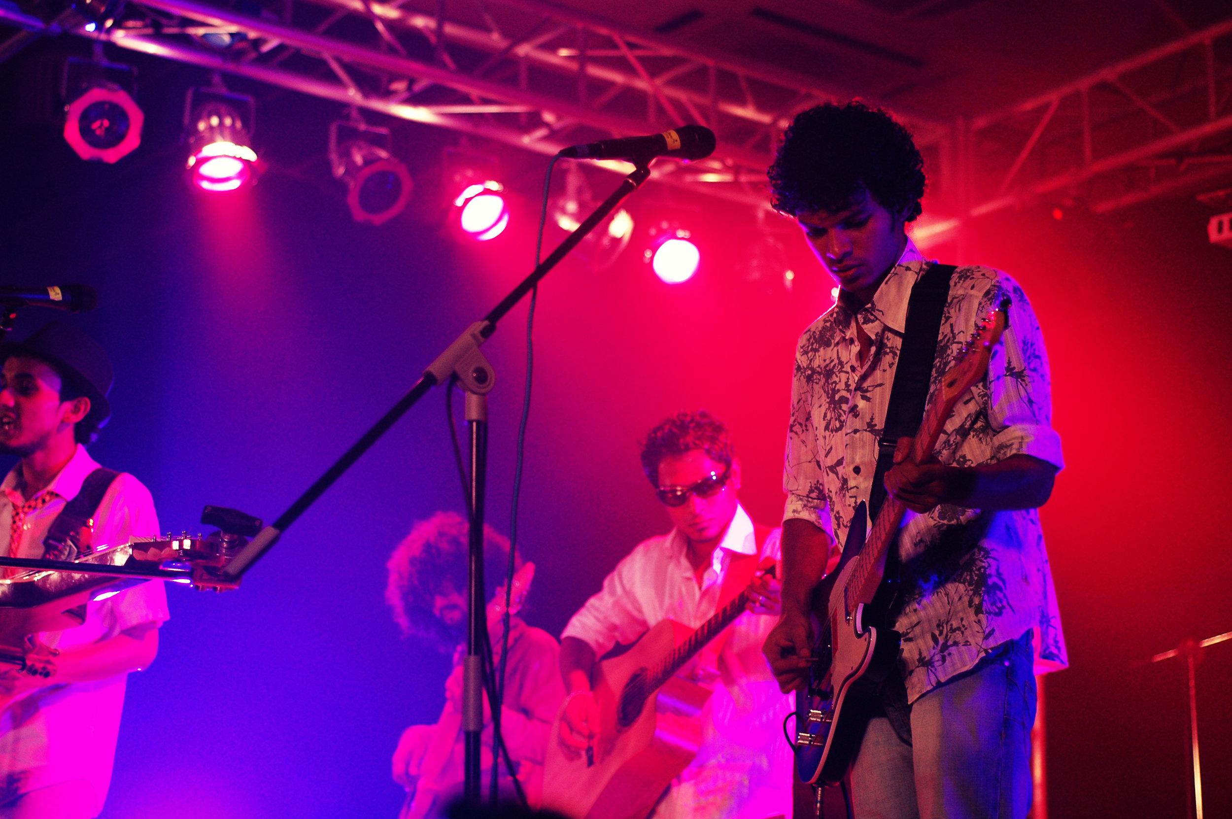 2009-08-19 - Male' City - Dharubaaruge' - Eku Ekee Album Launch - D70s-8002.jpg