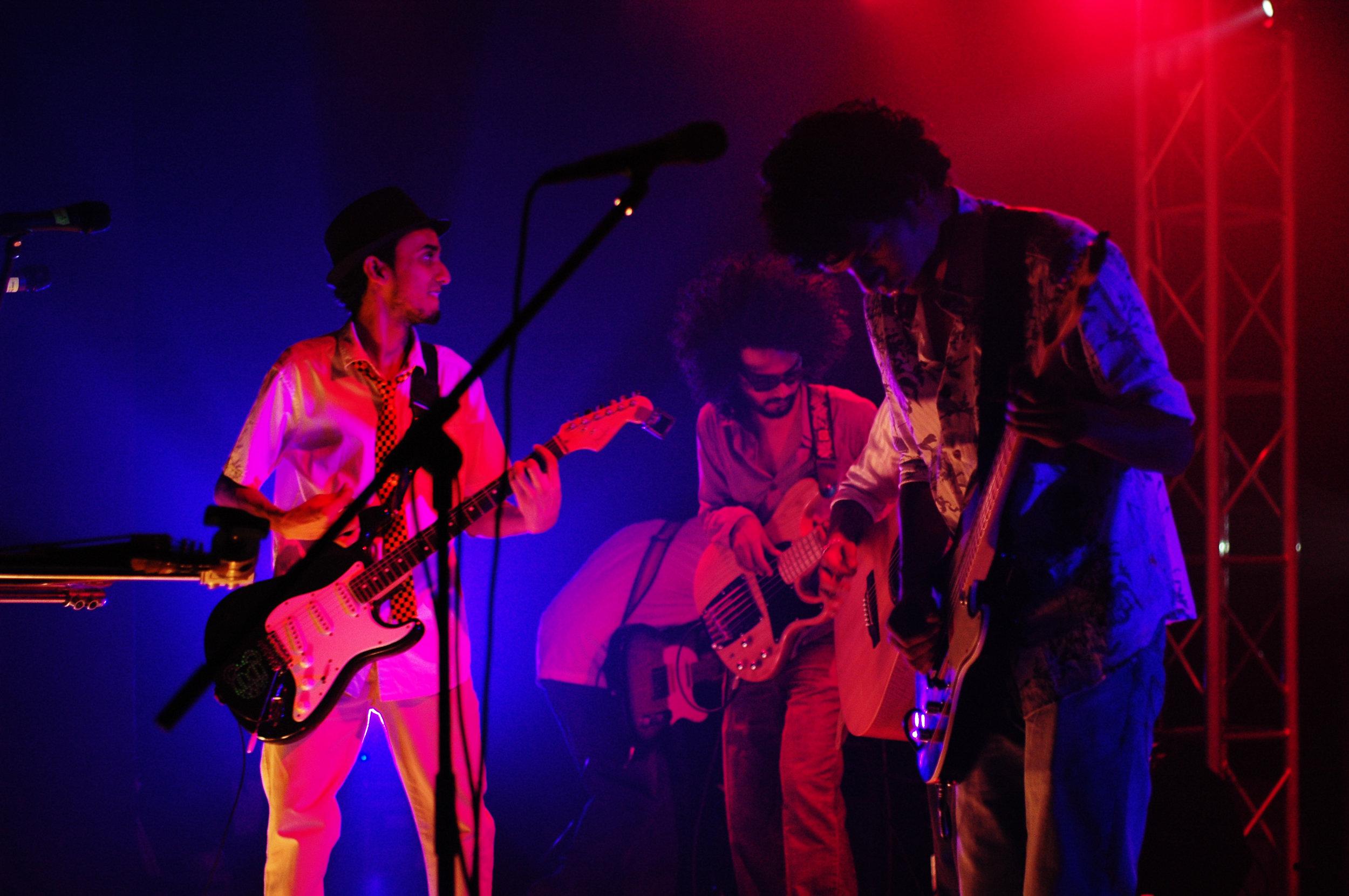 2009-08-19 - Male' City - Dharubaaruge' - Eku Ekee Album Launch - D70s-8010.jpg
