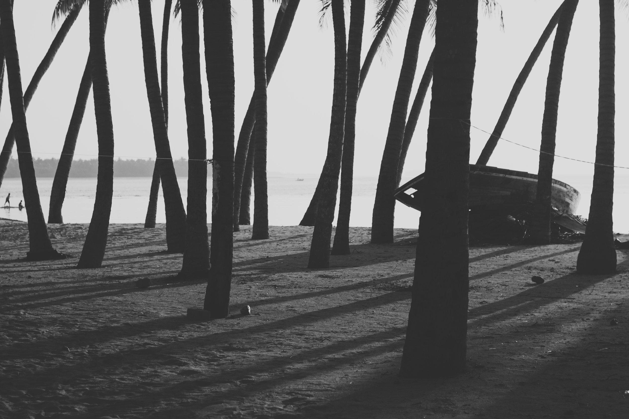 Baa Atoll Eydhafushi, Maldives. Nikon D3100 with Nikon 50mm f/1.8 AF-D. (2013)