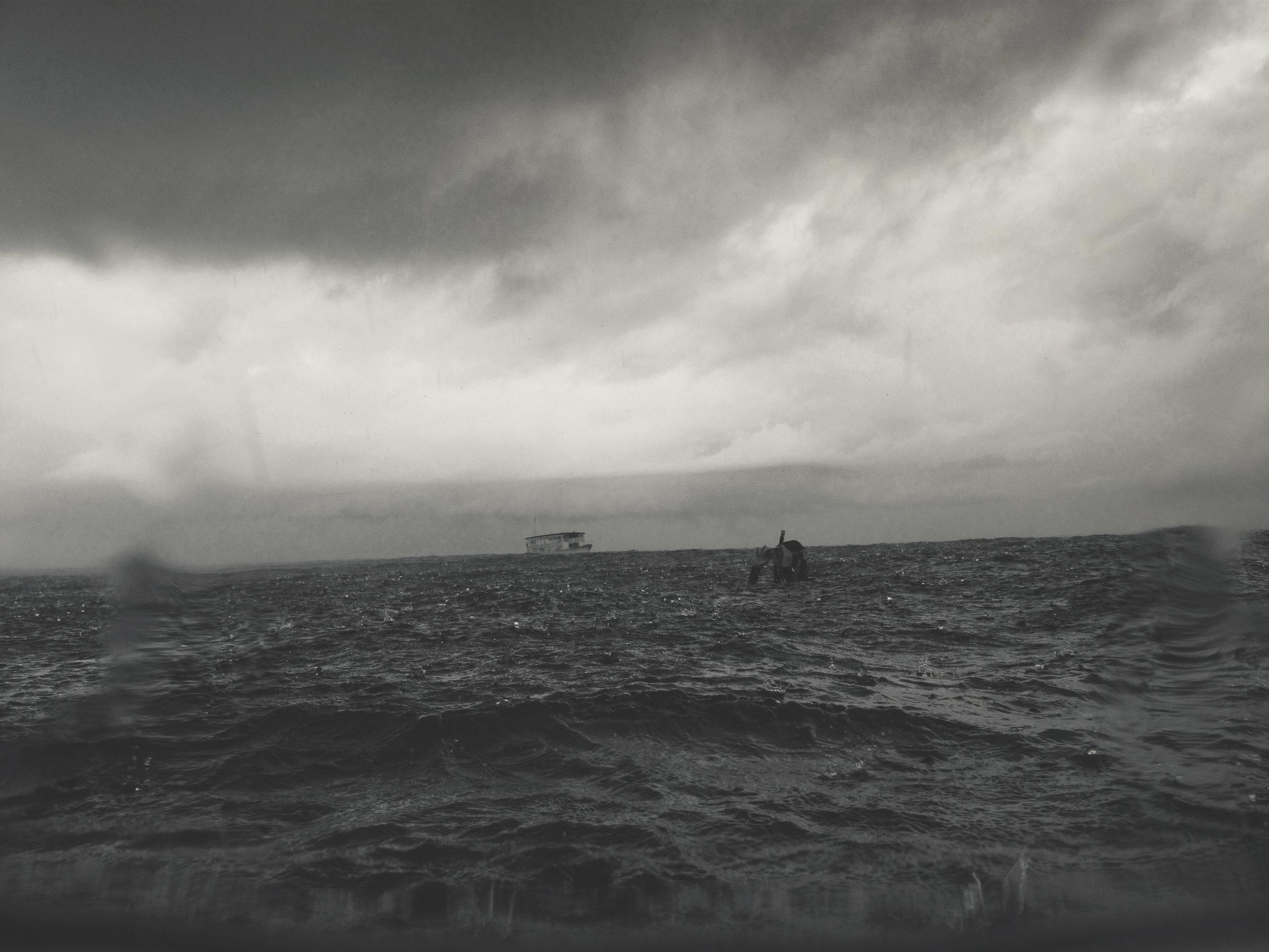 2009-06-11 - Maldives - Baa Atoll - rain storm on the reef - IMG_3402.jpg