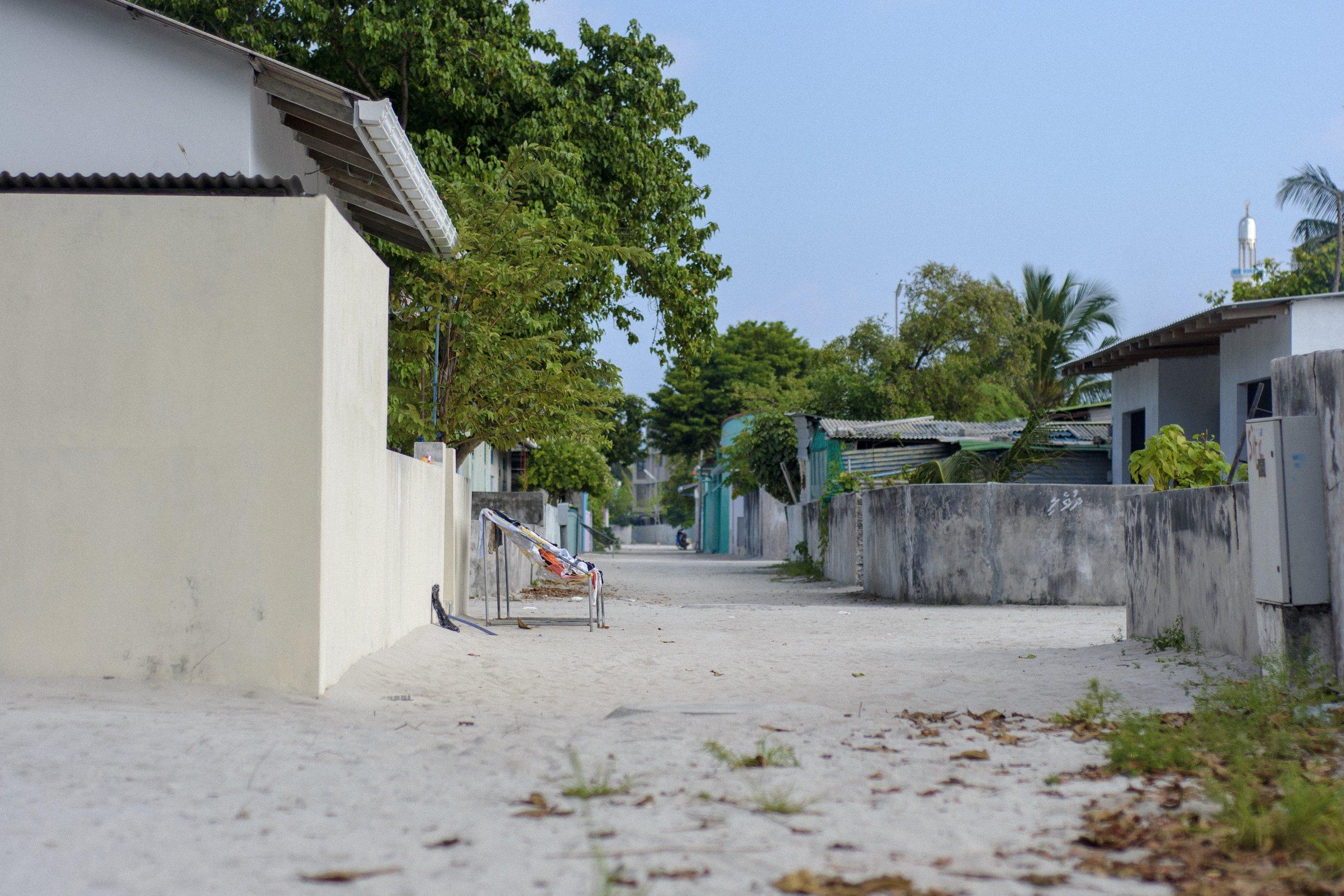 Nikon D3100.  Eydhafushi, Maldives.   (2013)