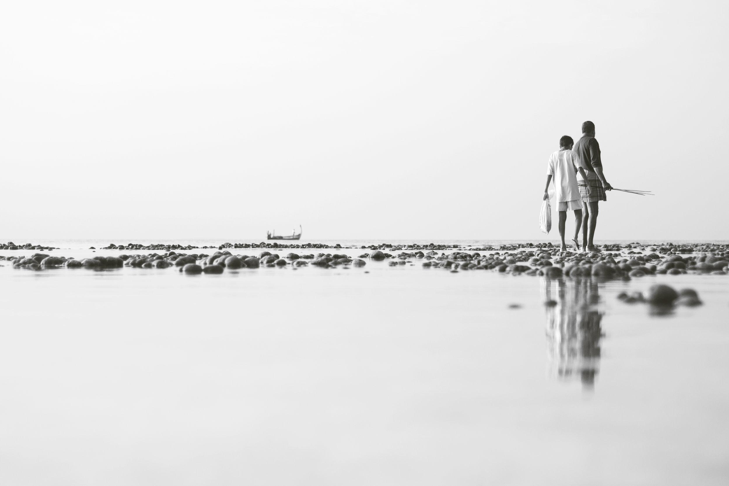 The octopus hunters. Baa Atoll Eydhafushi, Maldives. Nikon D3100 (2013).