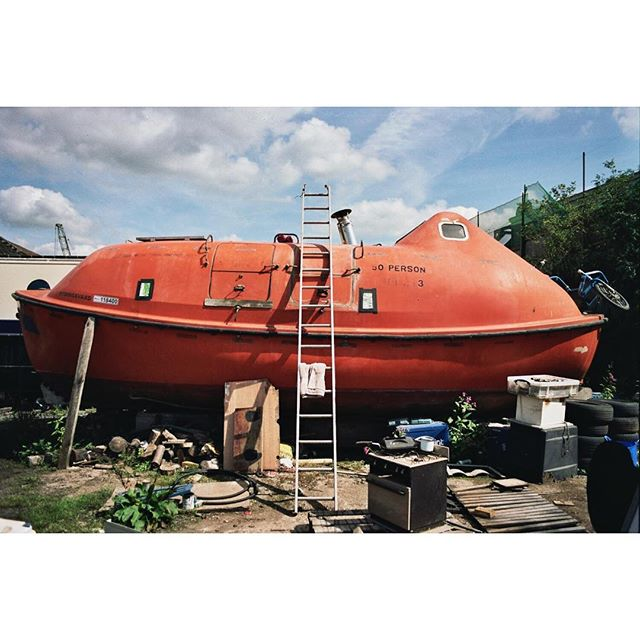Rydingsvard. Max's vessel. Now happily afloat again. #boatyard #yardfolk #35mm #analogue #kodak #portrait #landscape #filmphotography #adventure #boatlife #theoutbound #filmisnotdead #outdoors