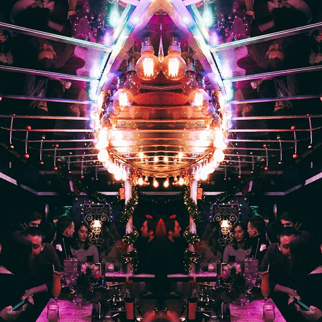 Saturday Date with LULU. Come on, Light my fire! @luluwhitedrinkingclub  #pigalle #ruefrochot #absinthe #speakeasy #mixology #cocktail #love #vscogram #spiritueux #spirits #luluwhitedrinkingclub #parislanuit #nightlights #cosy #jazzlover #bestbarteam #bébé