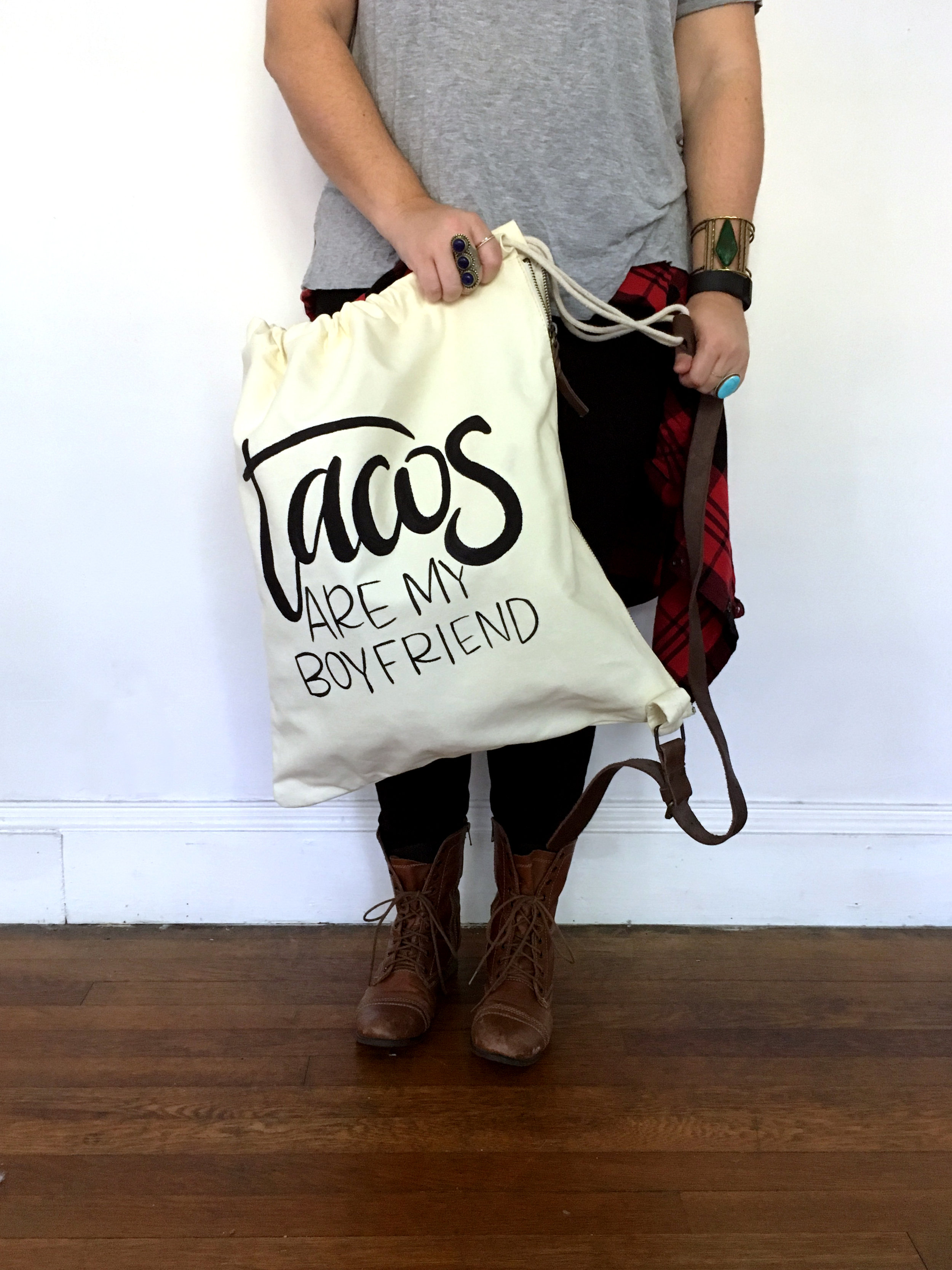 ©jenn gietzen write on! design hand lettering_canvas bag-bag size reference.jpg