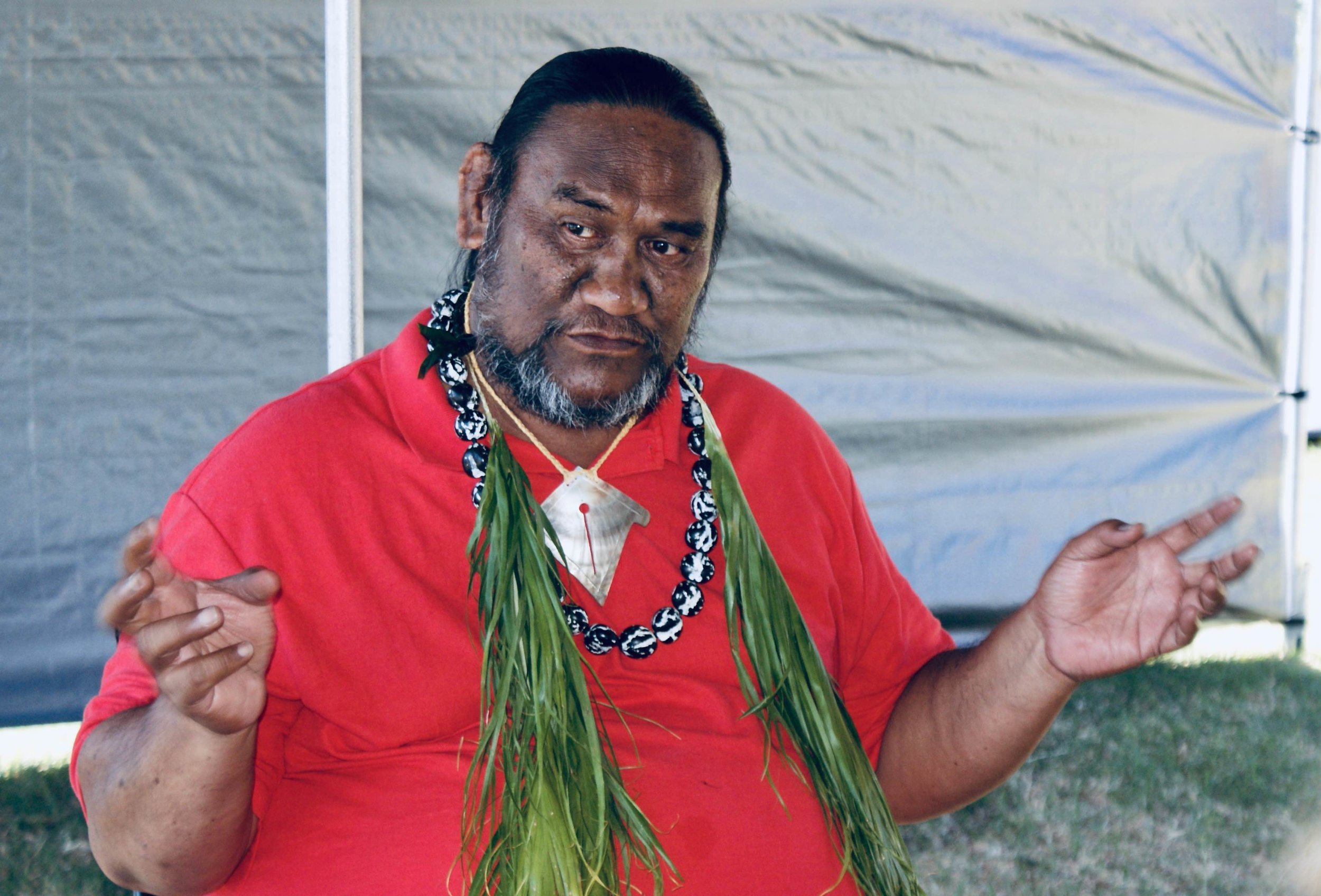 Kumu Paʻa Lawrence Aki talking story at Closing Ceremony Molokai Hula Bliss & Huakaʻi 2020