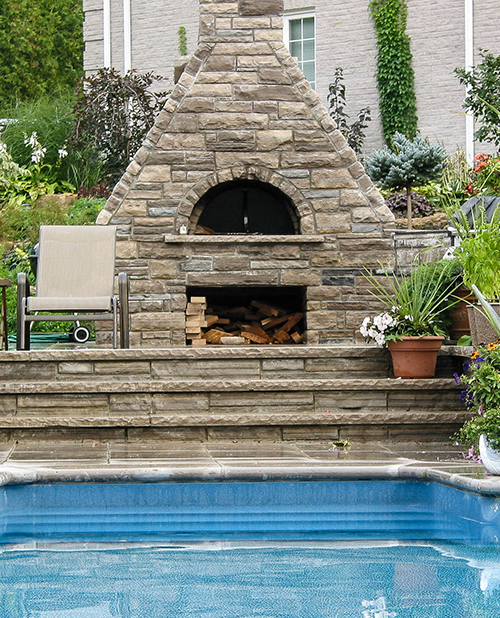 CHEF'S HOUSE    Fireplace /Outdoor Wood Oven / Backyard Pool / Landscape  Stouffville, ON, Canada