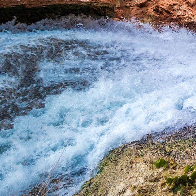 #Mooney #Falls • . #Havasupai #Waterfalls #AZ #Route66 #GrandCanyon #Grid #Instagrid #Instapanorama #Travel #Beauty #Nature #LandscapePhotography #HavasupaiFalls #NationalGeographic #HireMe  #GetOutdoors #TakeAHike #Arizona #NationalParks #Outdoor #Adventures #Southwest #USA #HaveCameraWillTravel #Water #3Grid #LongHike #Fun
