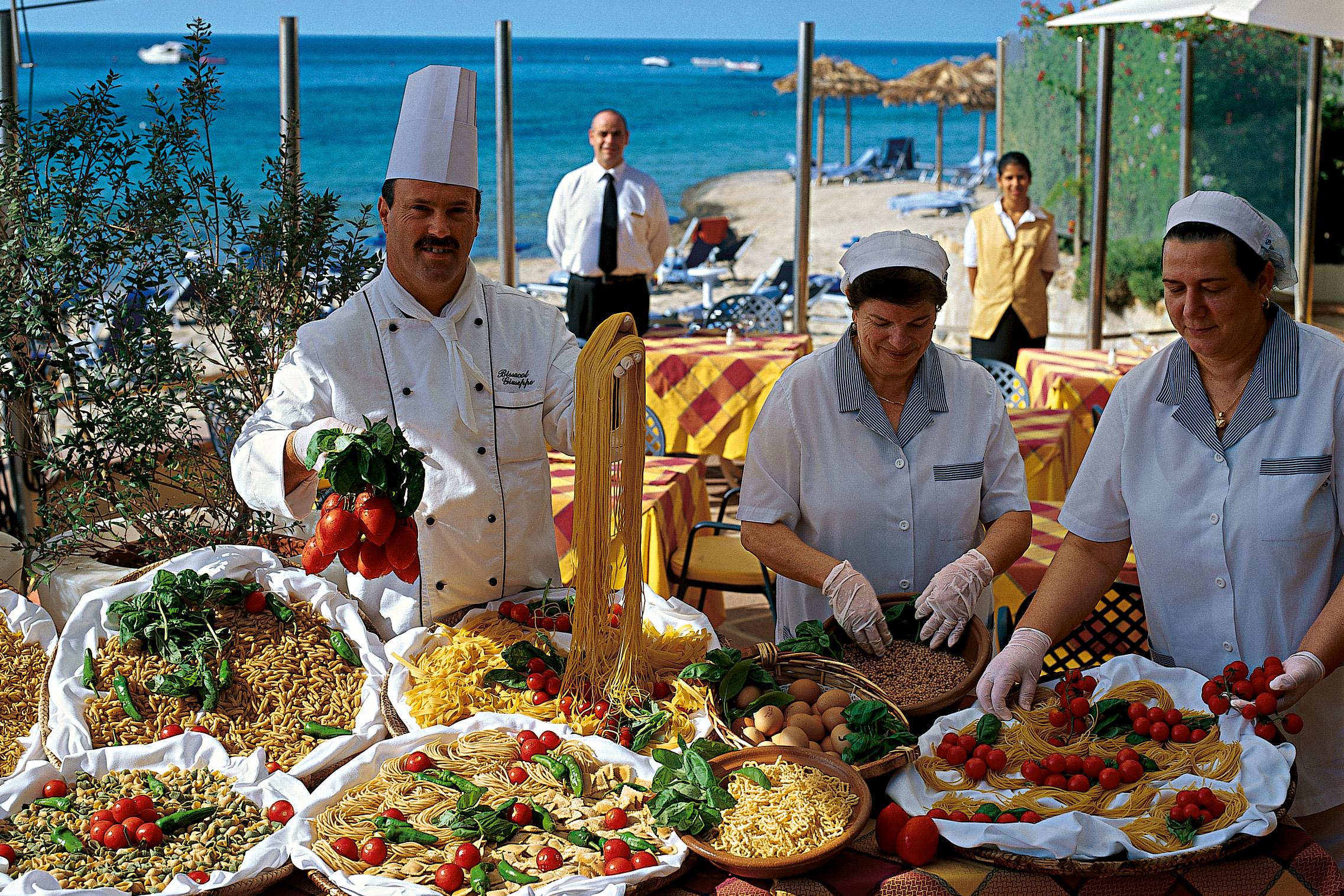 Forte_Village_Resort_Restaurants_and_Bars_5.jpg