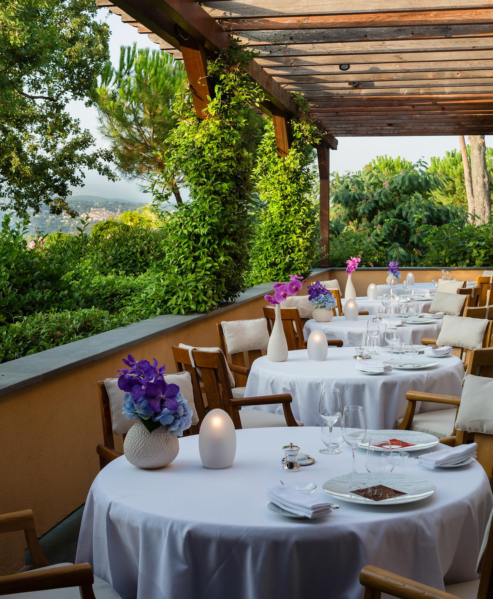 Restaurant-Faventia-Terre-Blanche (11).jpg