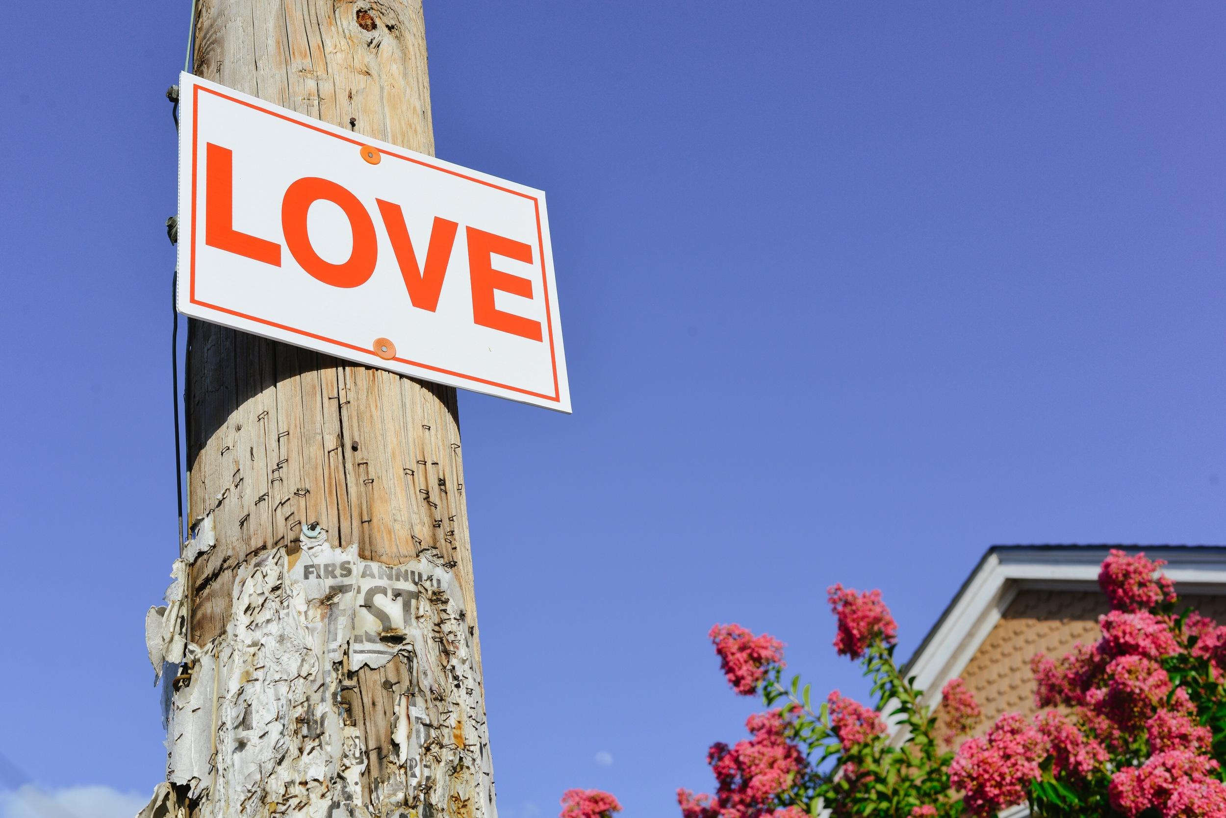 NOLA Love Sign.JPG