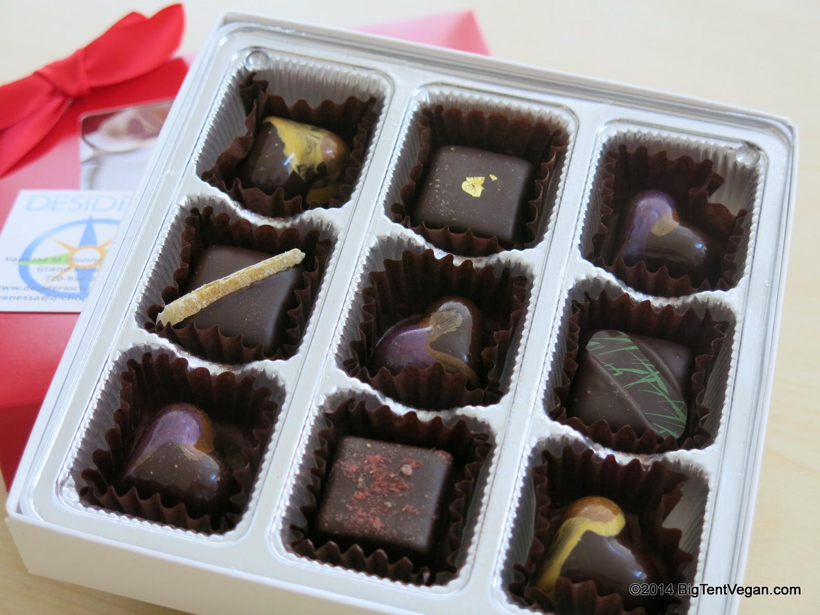 2014 Valentine's Box by Desiderio Chocolates (100% Vegan Company)