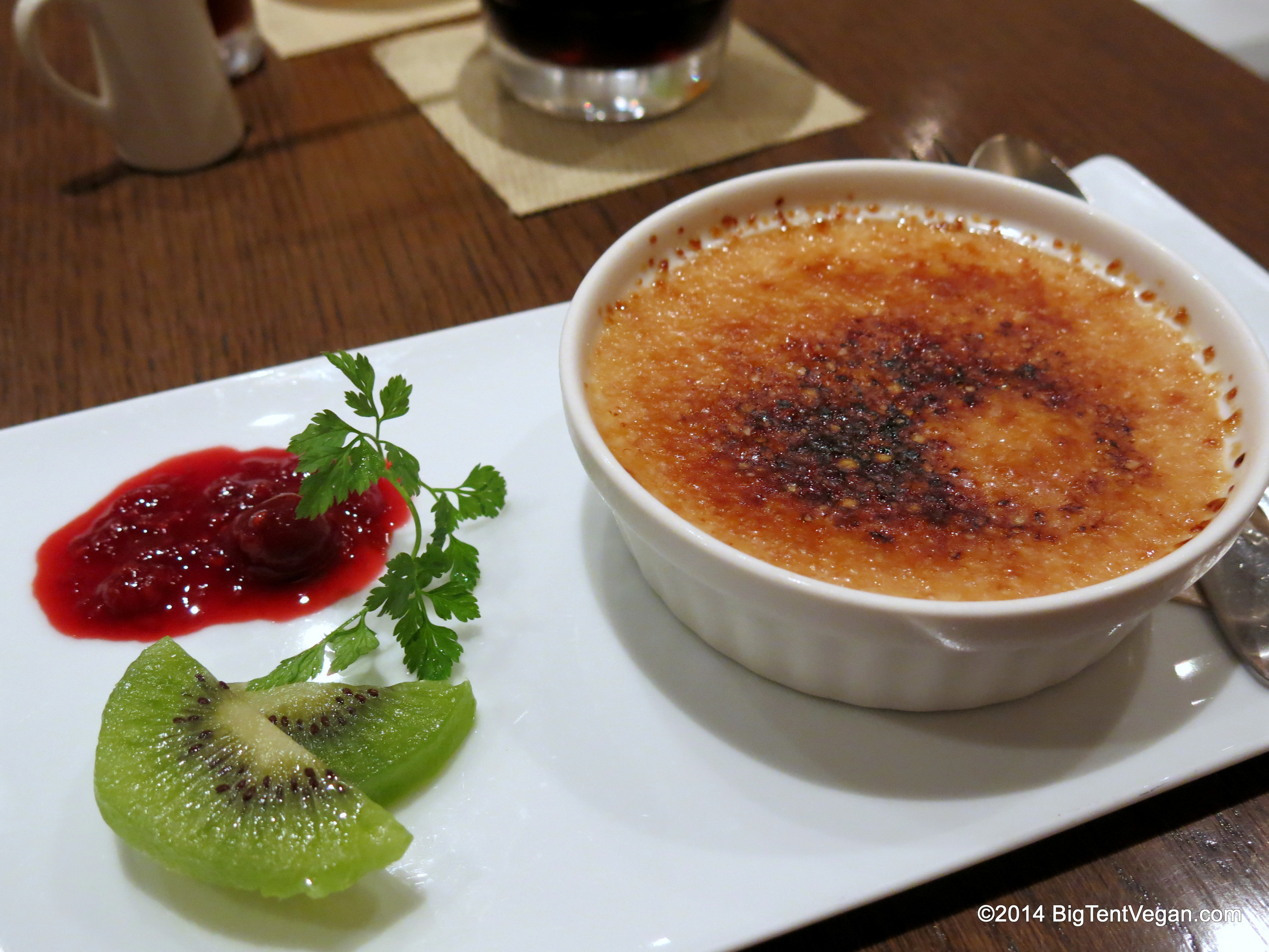 Crème brûlée...light, airy custardy filling with a thin CRISPY topping. Vegan perfection!
