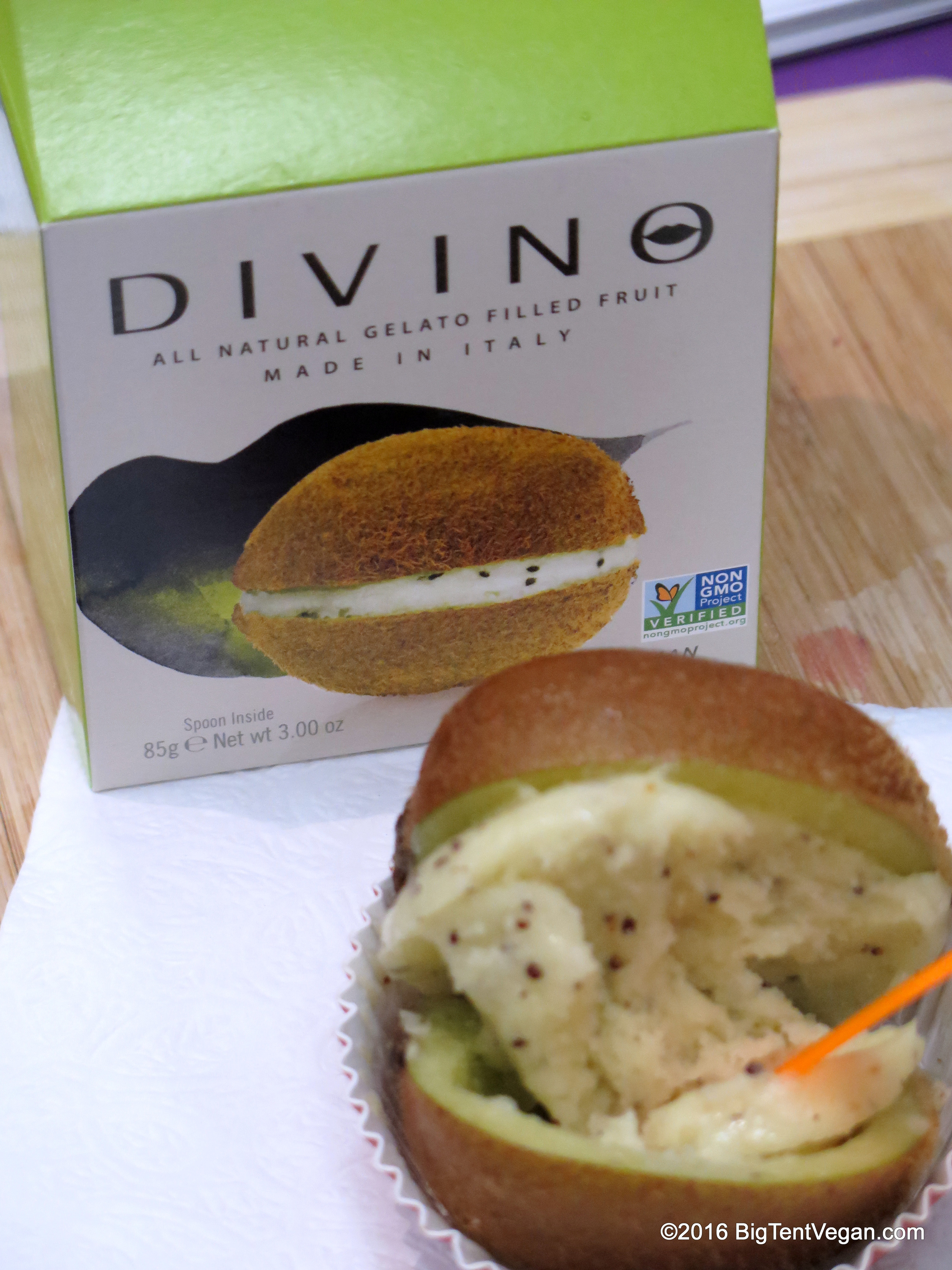 Close-up of the kiwi Divino. Their rep told me that all their gelato used to have cow's milk in it, but they took it out last year, and no one noticed the lack of dairy.So now they're in the process of changing their package to specify Vegan!! Can't wait to see this in wide distribution here in the U.S. Heard they're already big in Japan.