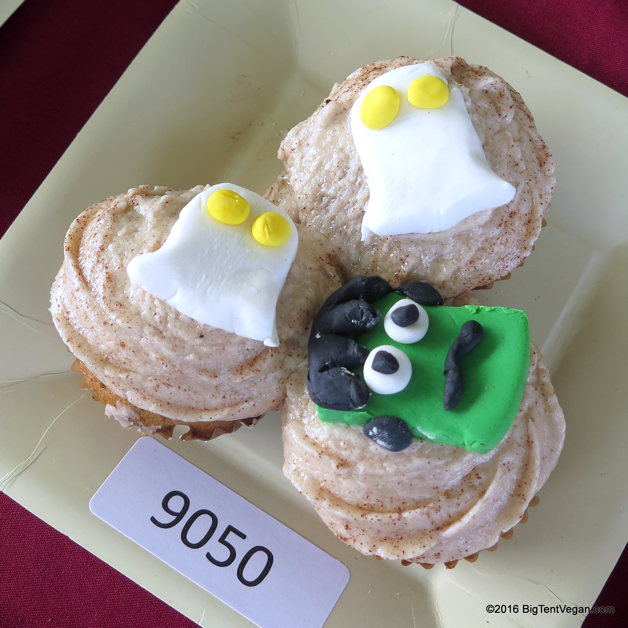2nd PLACE: CINDY INFANTE     Snickerdoodle Cupcakes
