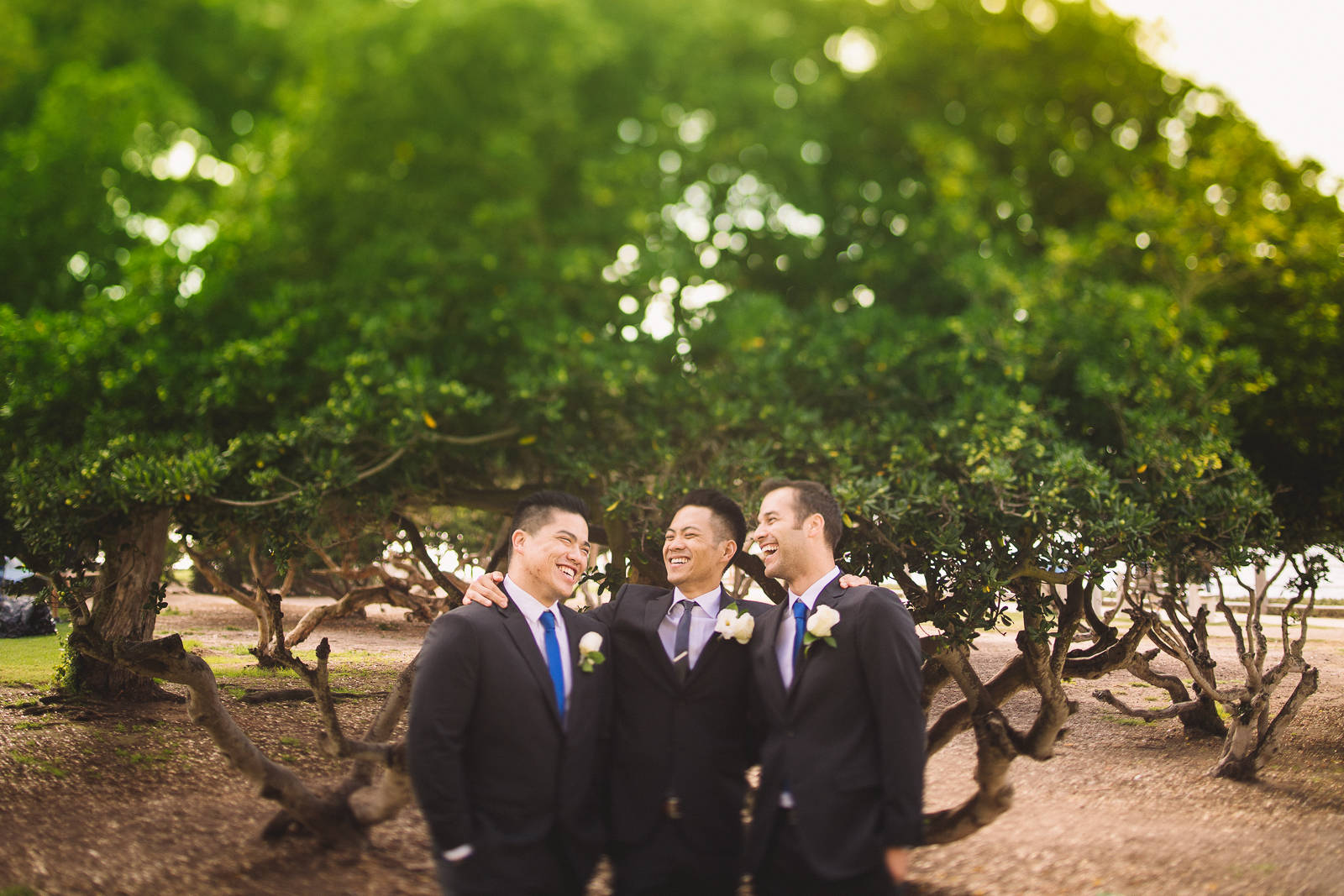 groomsmen-laughing