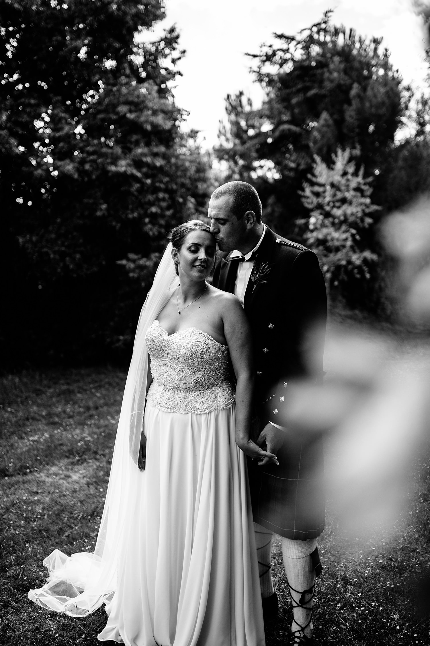 NORTHAMPTONSHIRE WEDDING PHOTOGRAPHER KM263.jpg