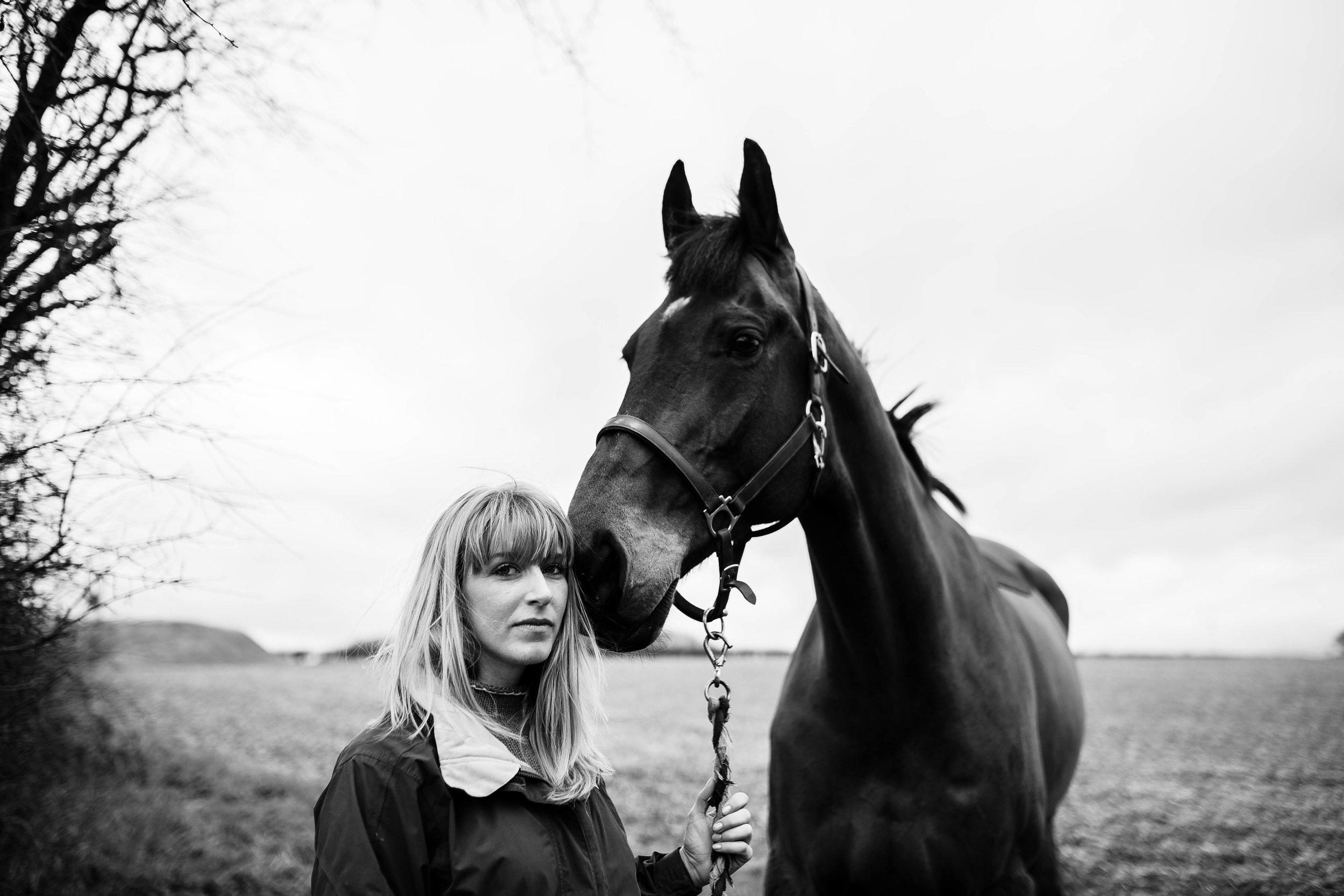 HORSE FARM FAMILY DOG PHOTOSHOOT 00002.JPG