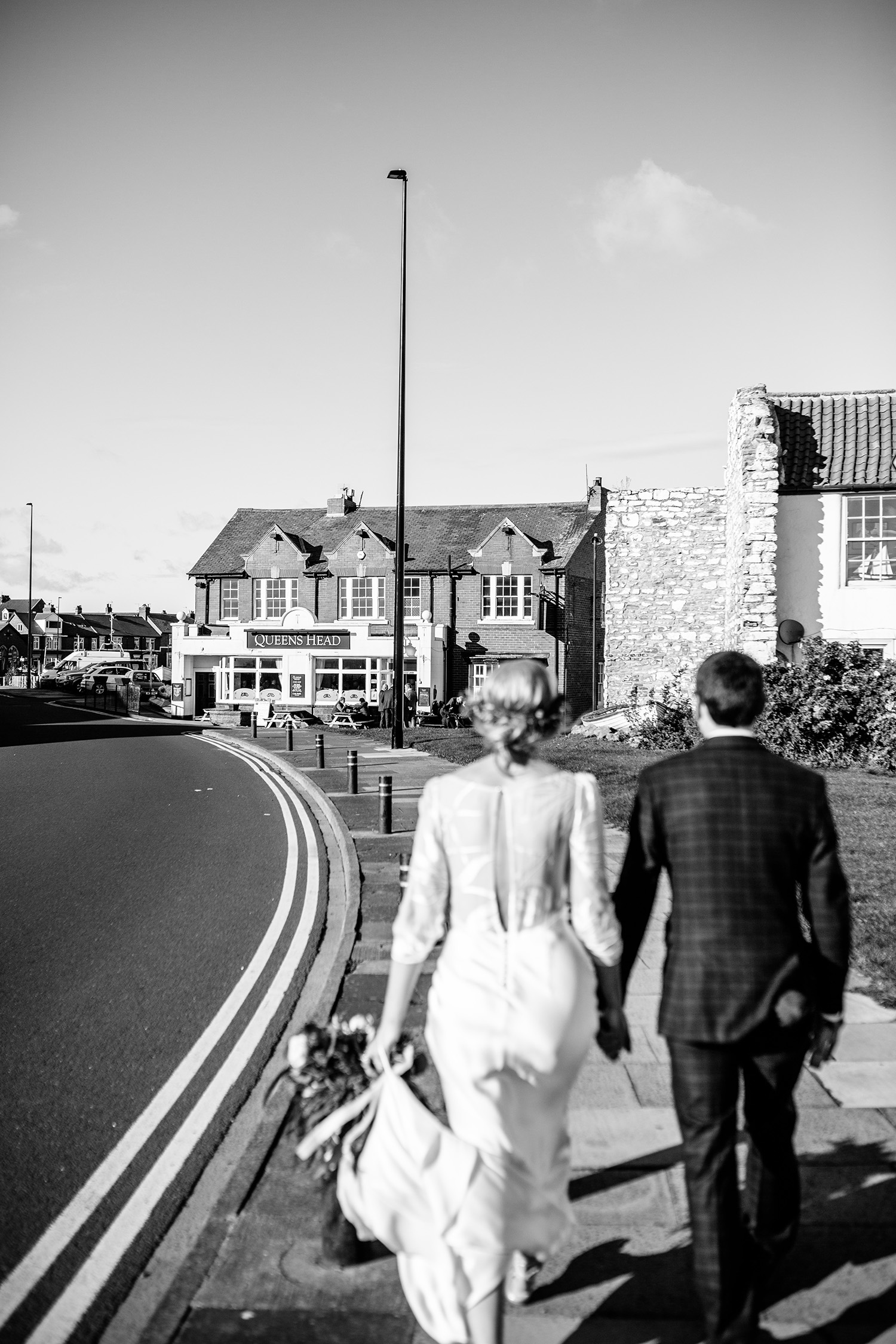 NEWCASTLE BEACH PUB WEDDING 026.jpg