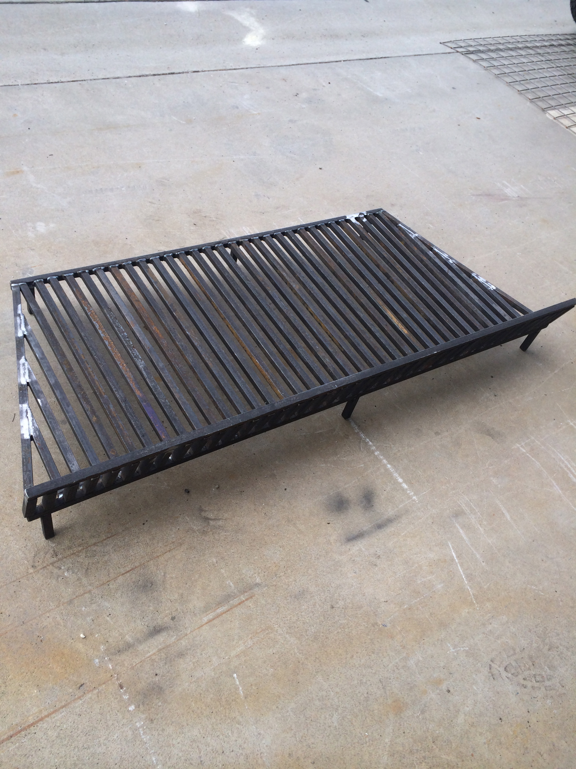 Fire screen and grates1.jpg