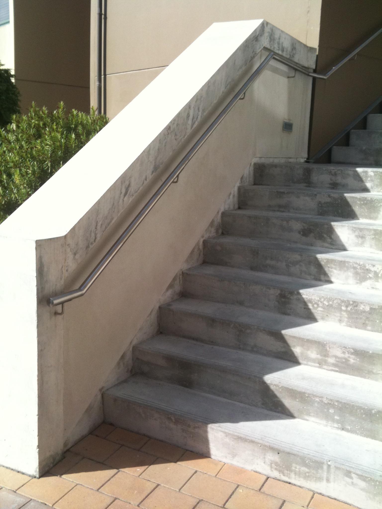 handrail stainless.jpg