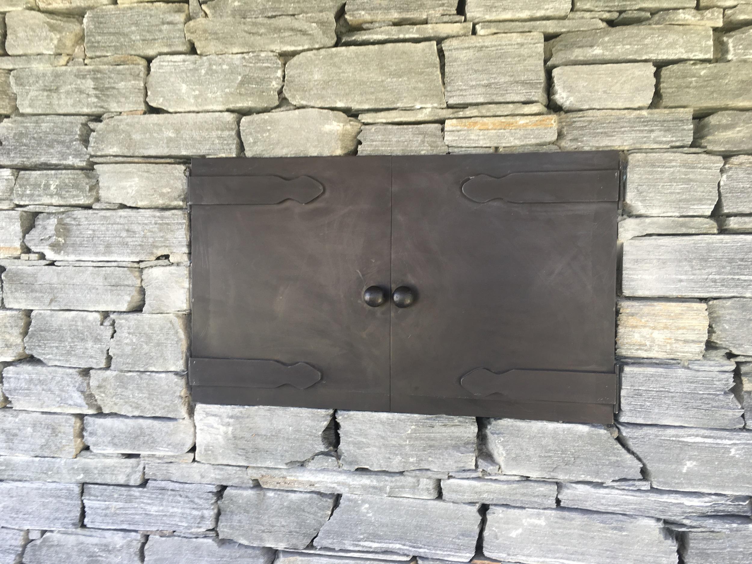 rustic box outdoor.jpg