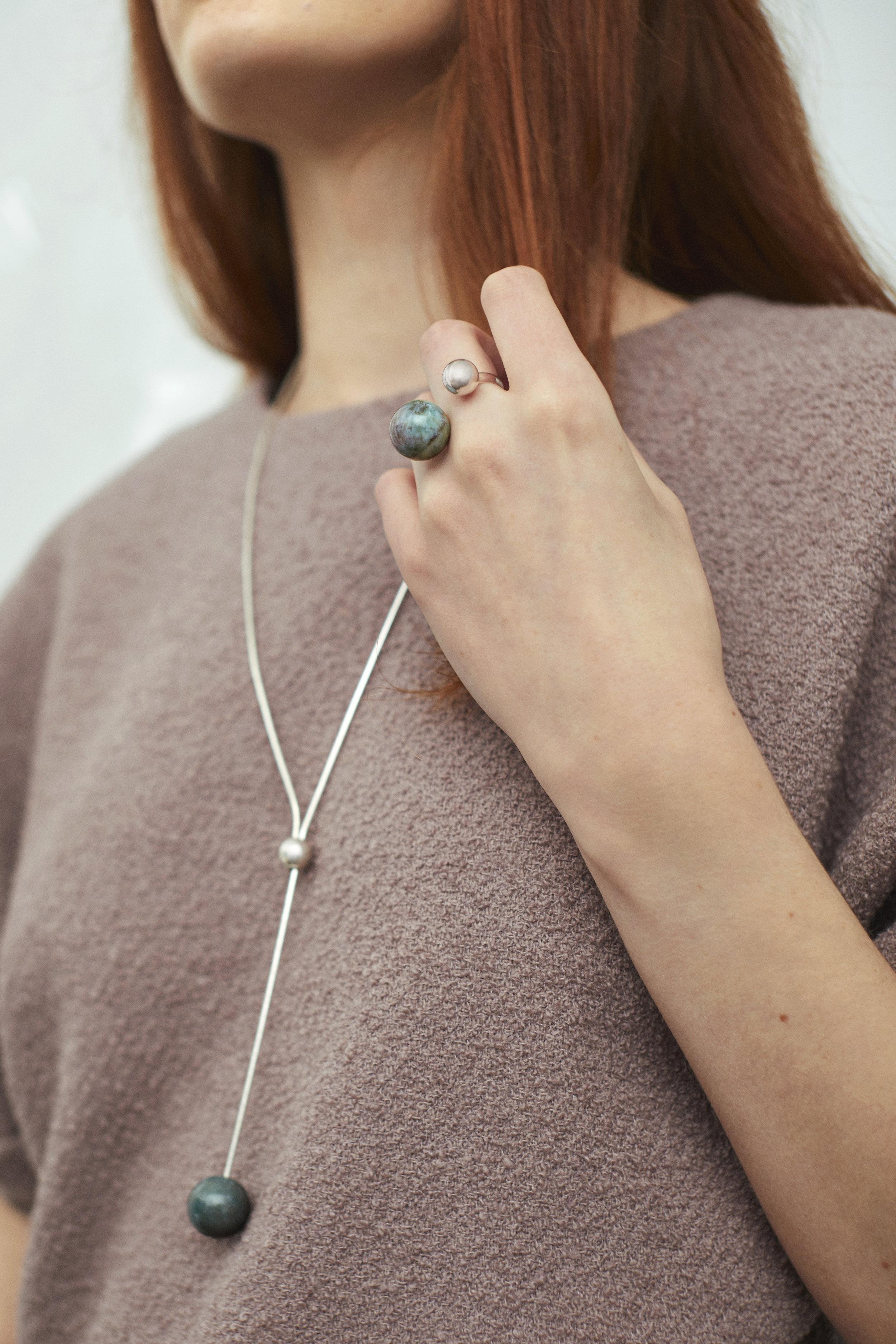 ▲ ARPEGGIO II open ring, ARPEGGIO necklace