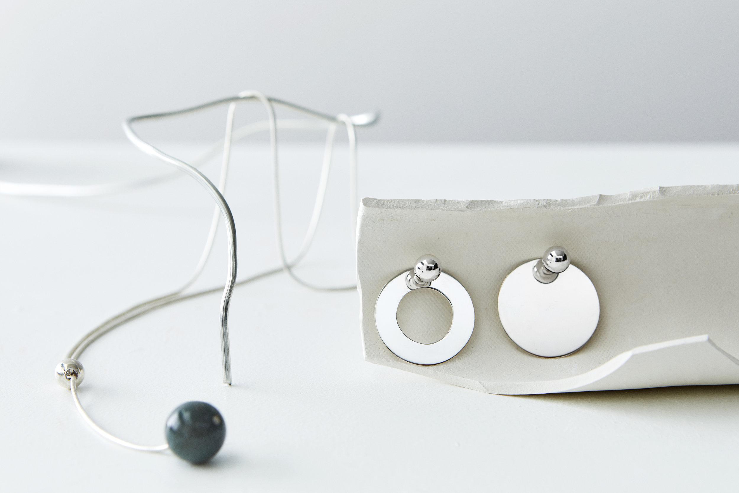 ▲ ARPEGGIO necklace, RESONANCE & CONSONANCE earrings
