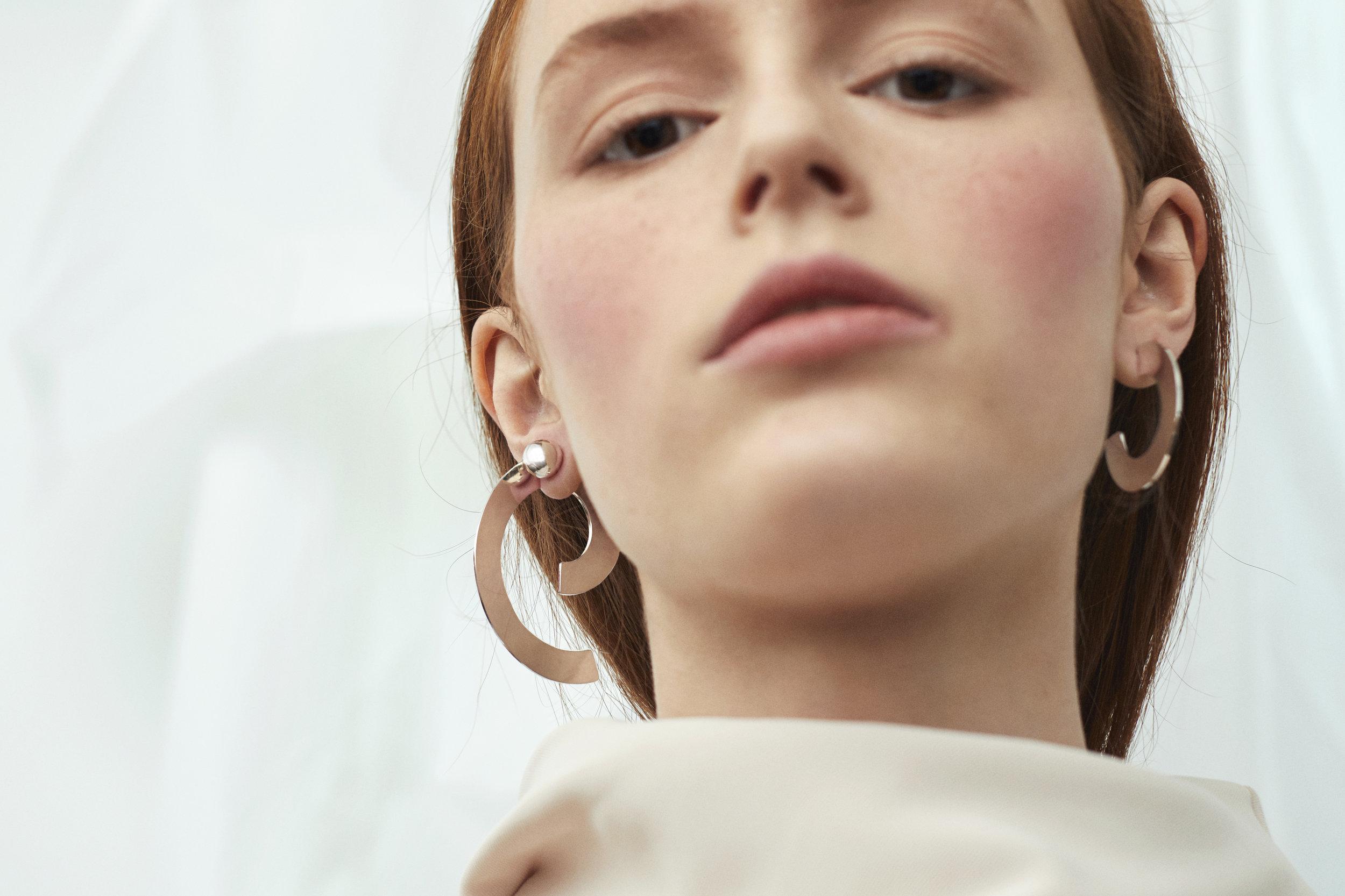 ▲ SIGMA earring set, ZETA earring