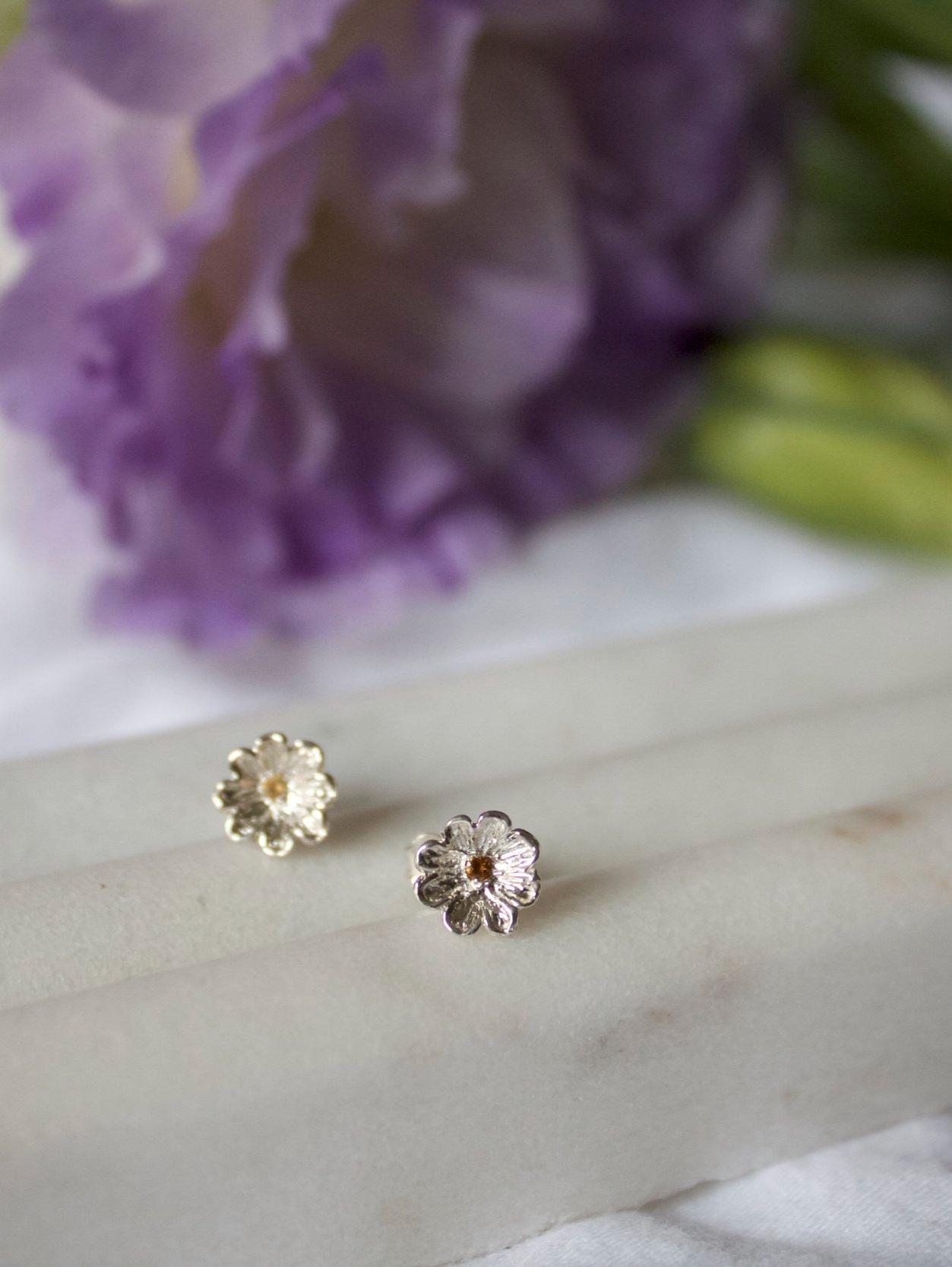 ▲ Daisy Earrings