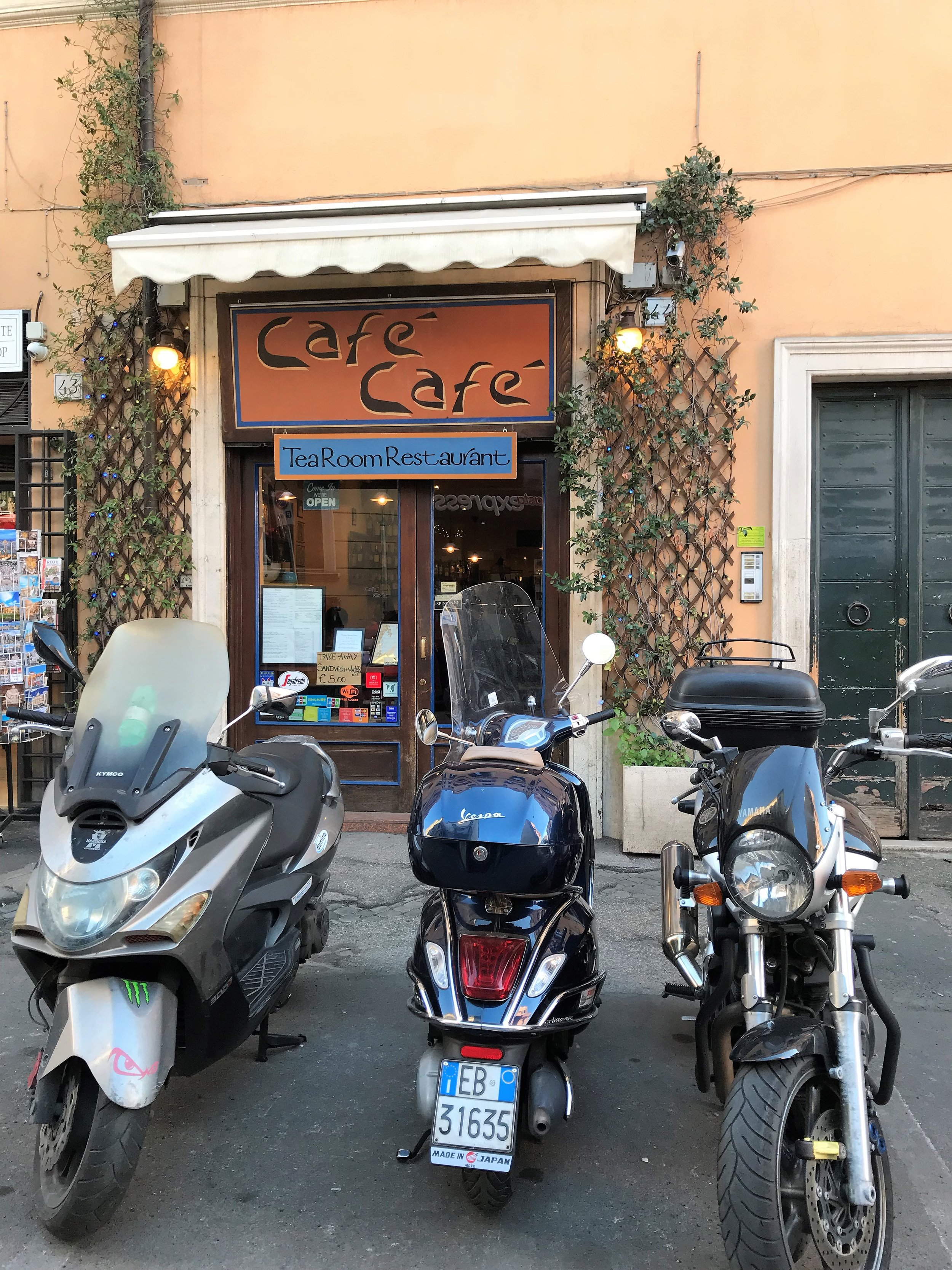 Cafe Cafe in Rome