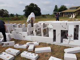chaouxiu building sculpture.jpg