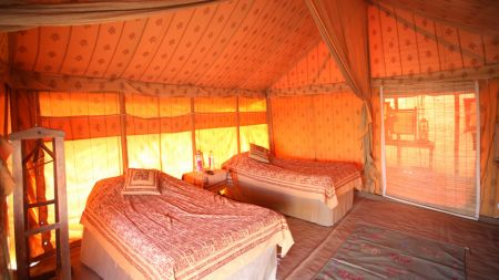 Rob-and-Laura-Petry-styled honeymoon tent