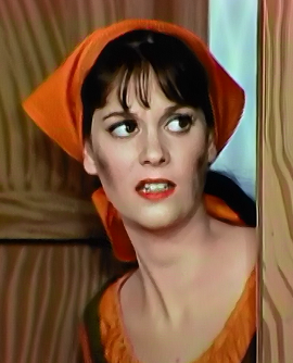 NOTHING beats Lesley Ann Warren's endlessly gorgeous neck, either!