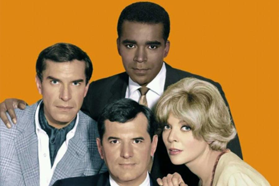 Martin Landau, Greg Morris, Barbara Bain and, front and center...Steven Hill!  Of Adam Schiff/Law & Order fame.  Can ya believe it?!