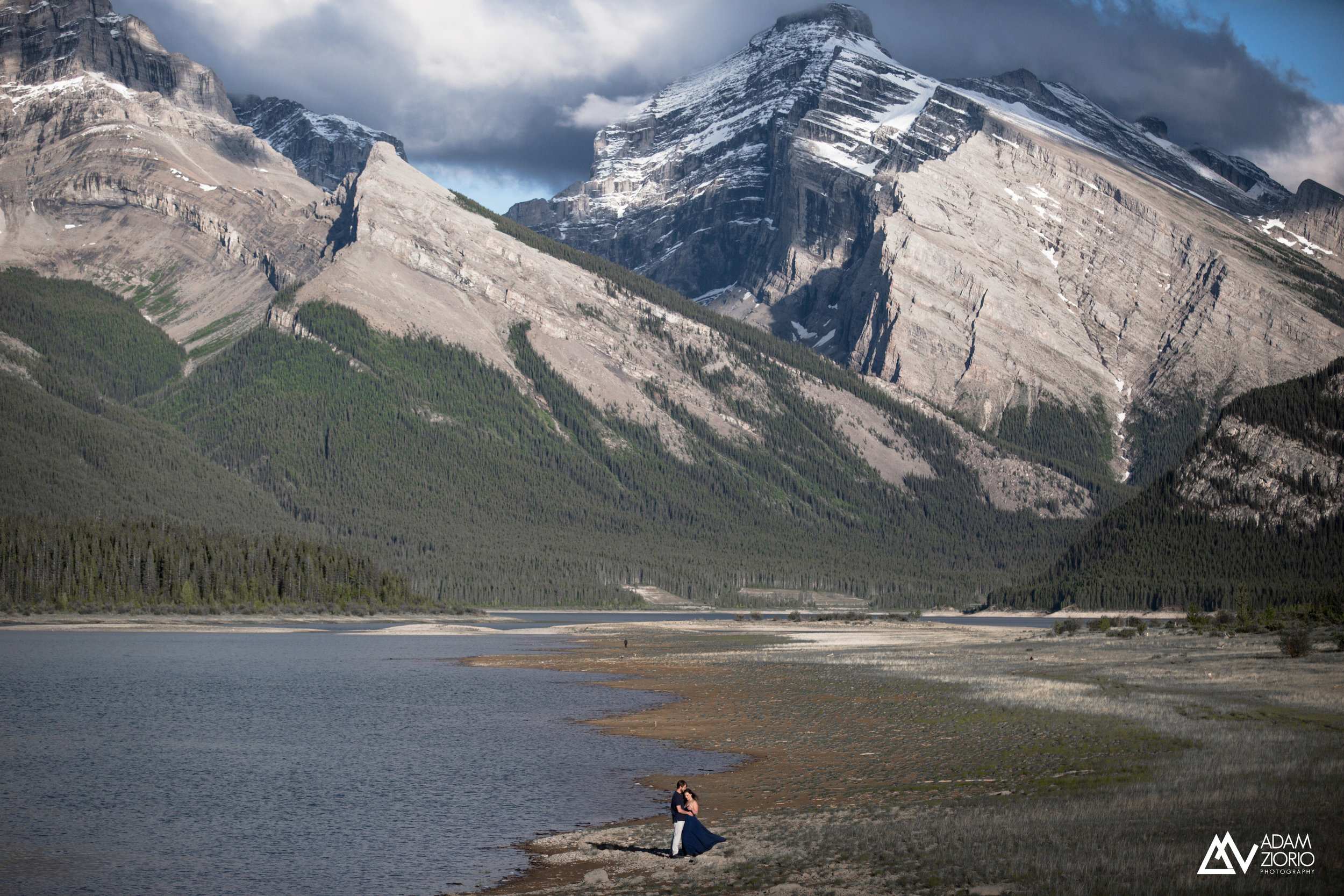 Adam-Ziorio-Photography-Engagement-Session-canmore-bc.jpg