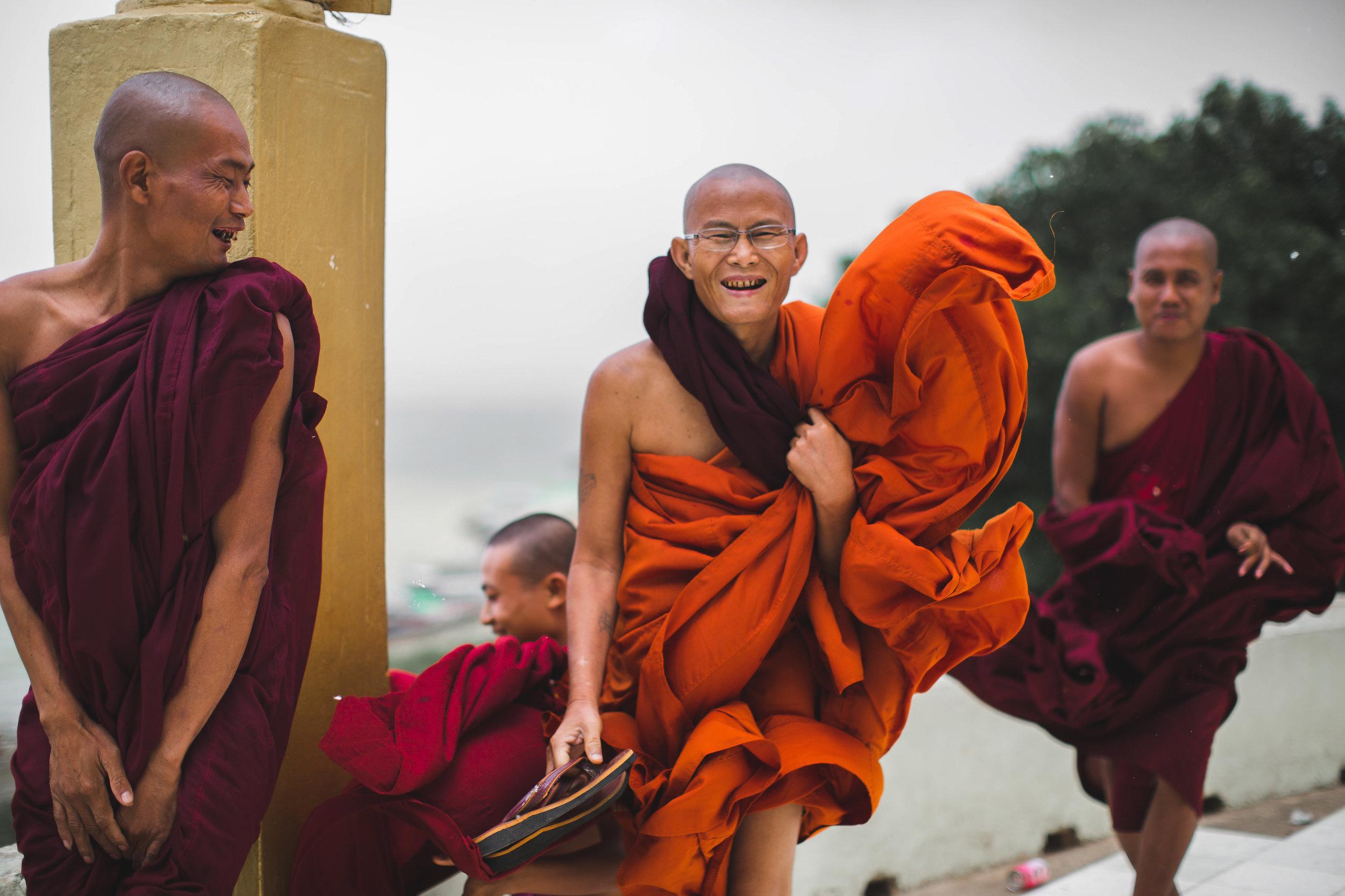 44AdamZiorioPhotography(MyanmarMonks)-2.jpg