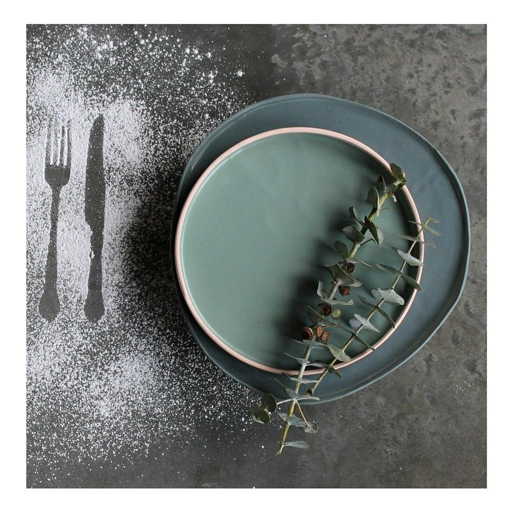 tableware-collections-teal-glazed-serving-plate-1.jpeg
