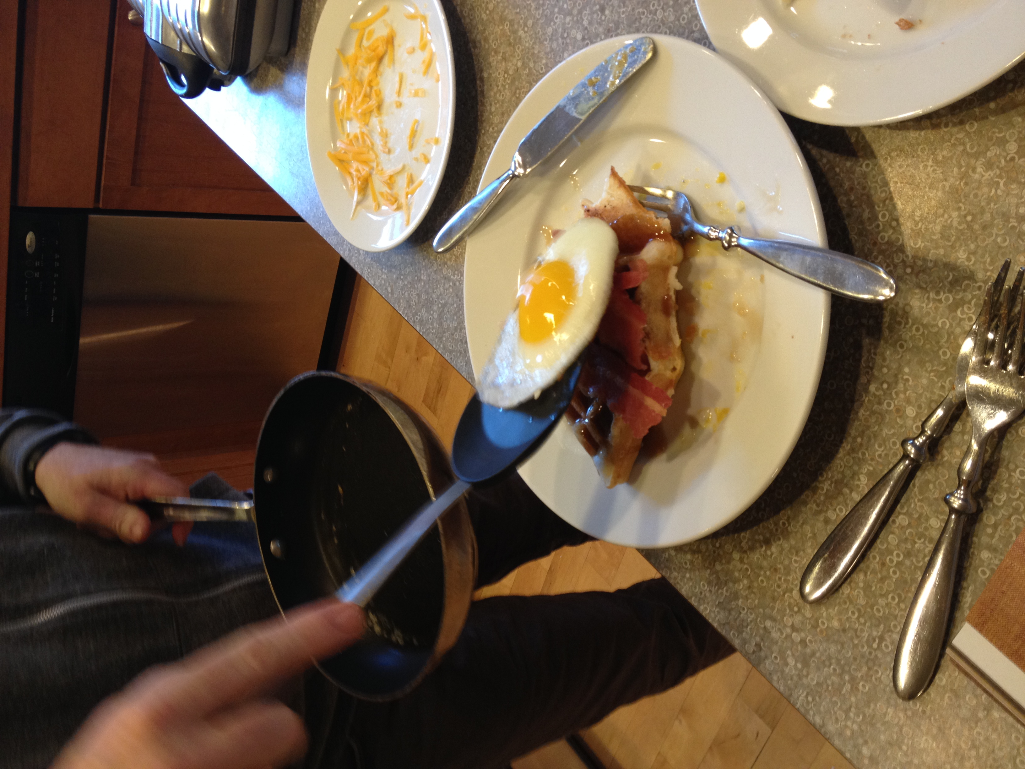 010414 making breakfast (2).JPG