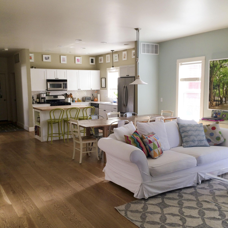 kitchen & living open plan