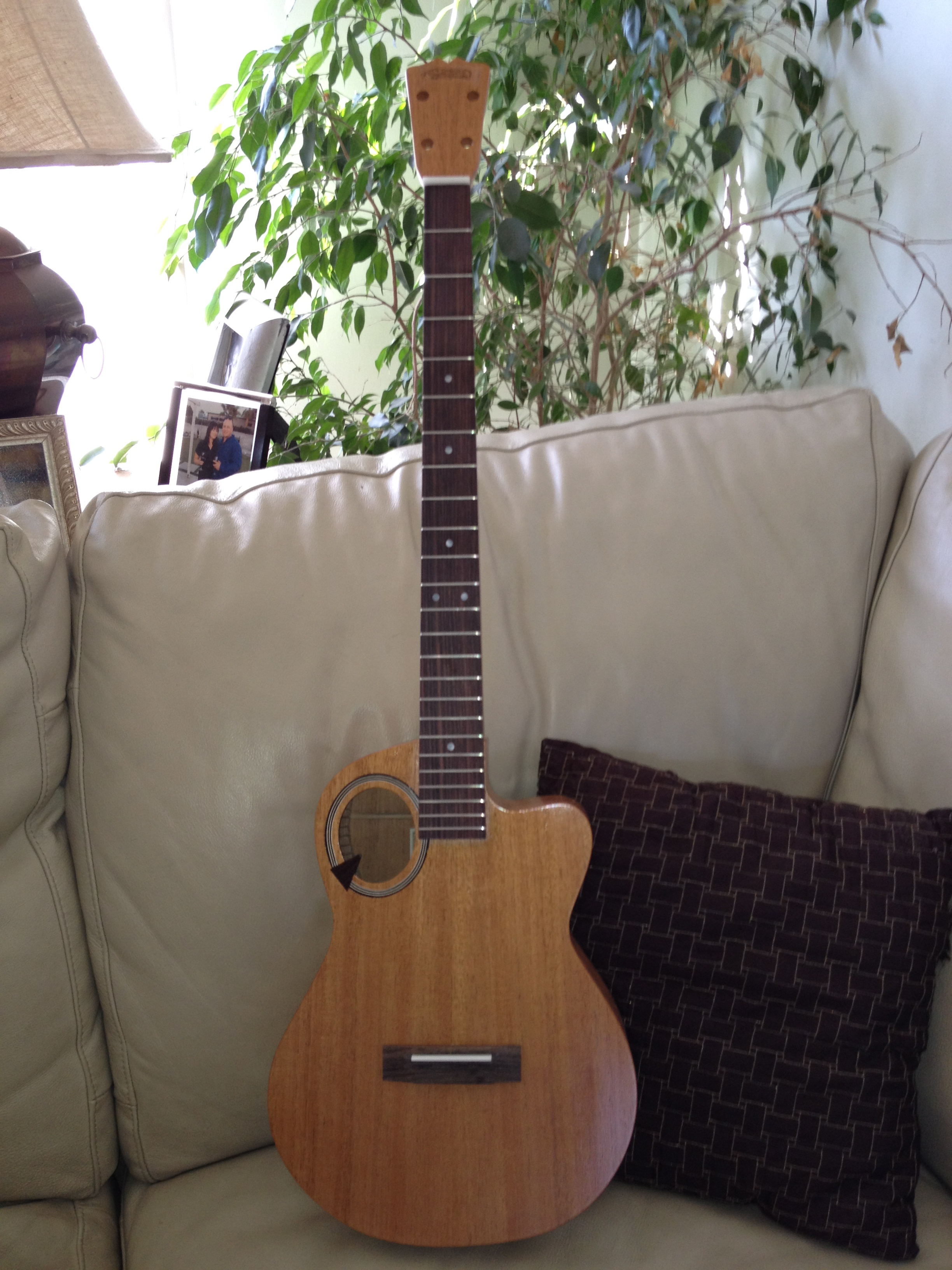 Q model custom XL stretch neck baritone ukuele