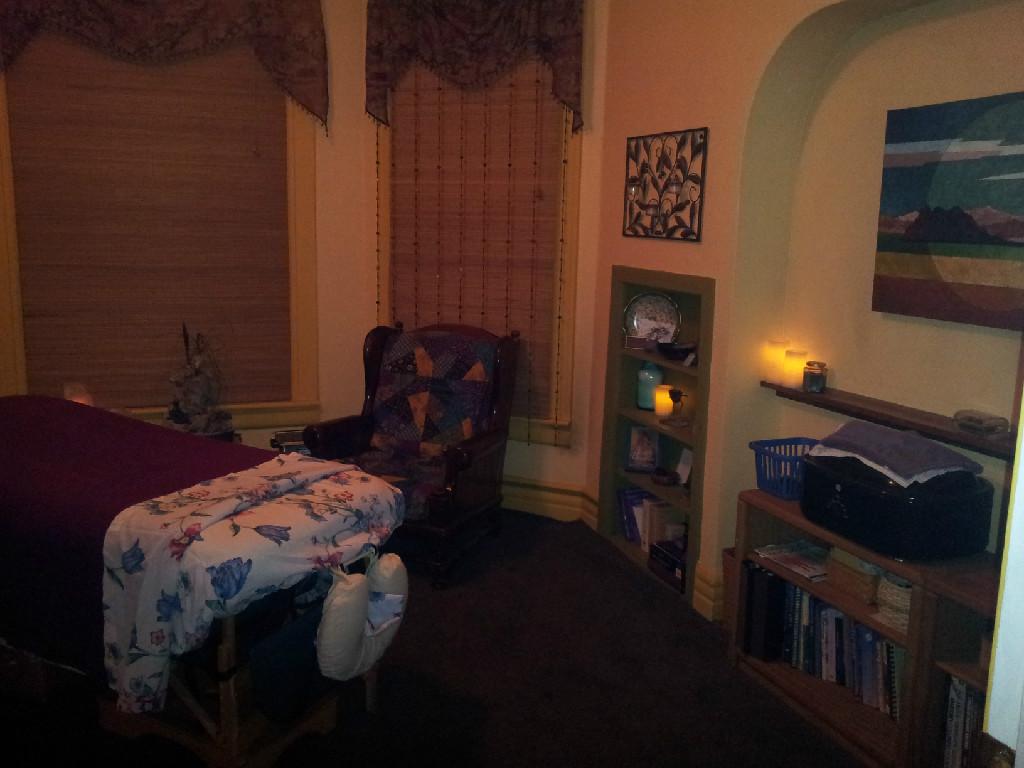 Midtown-Massage-And-Wellness-Room-Dark.jpg