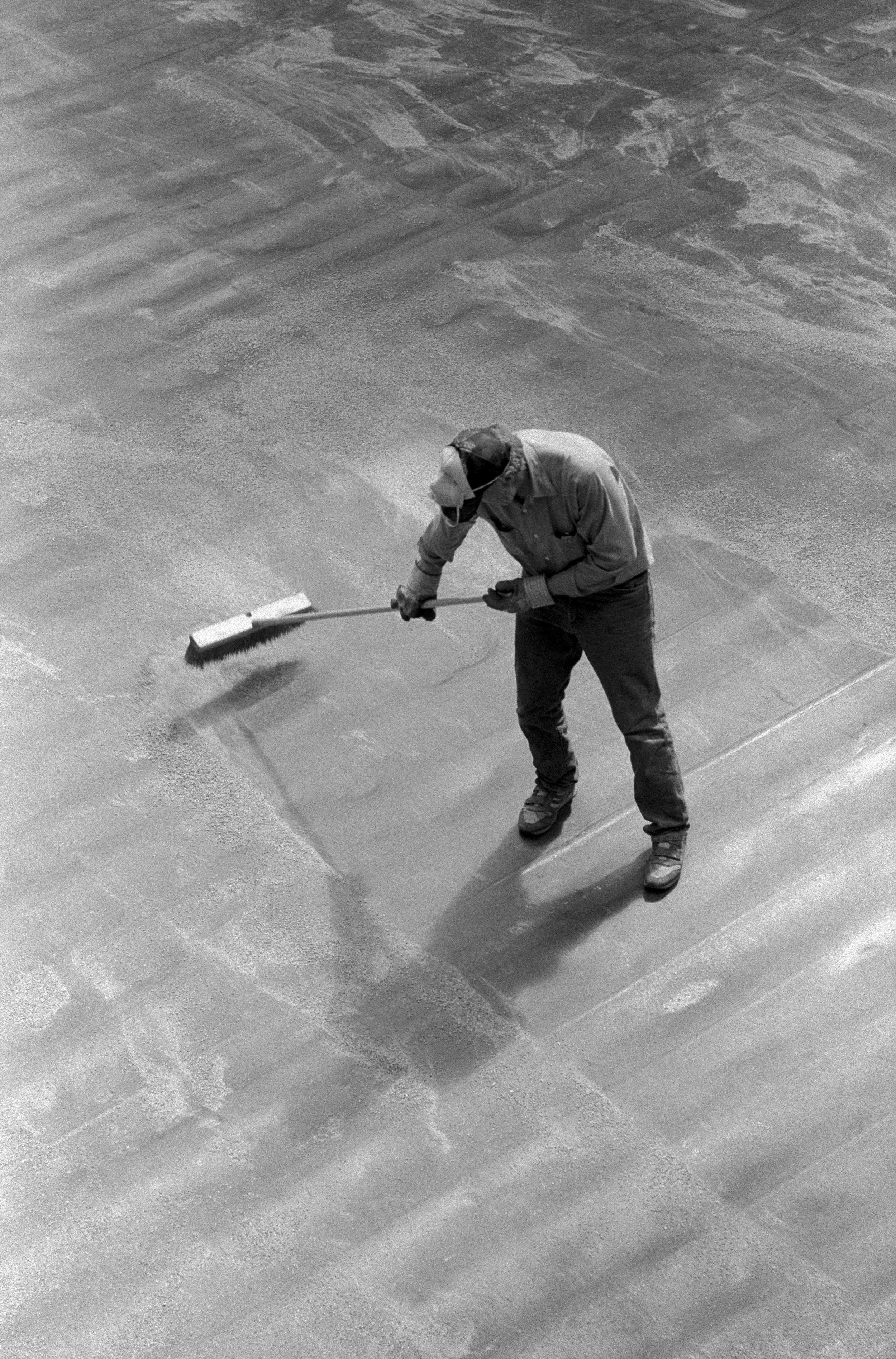 17_Maio_Sweeping_Up-17.jpg