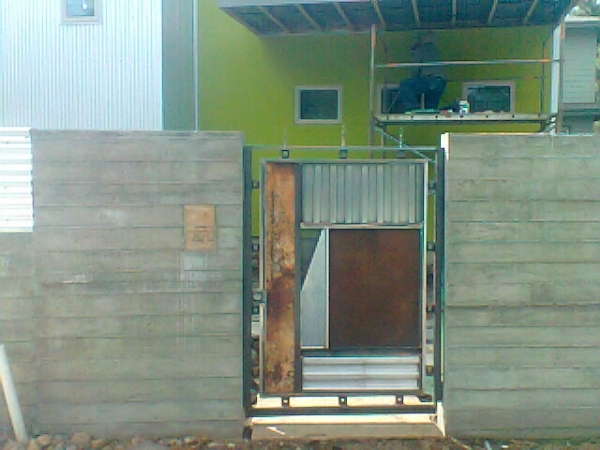 Custom Metal Gate  collaboration with Iron West, Bend, Oregon