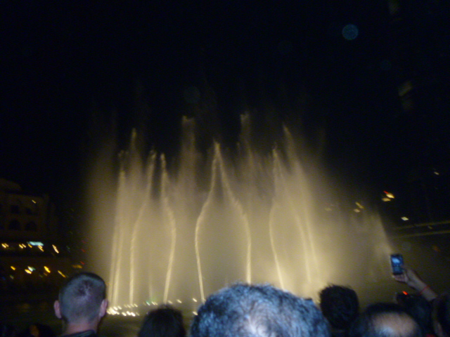 Even the fountain show had some Arab flair.