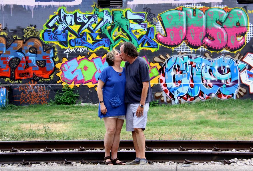 grafitti_kiss.jpg