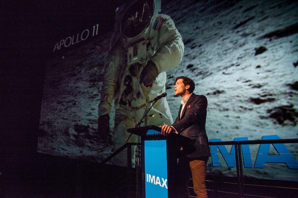 IMAXAPOLLO11-11.jpg