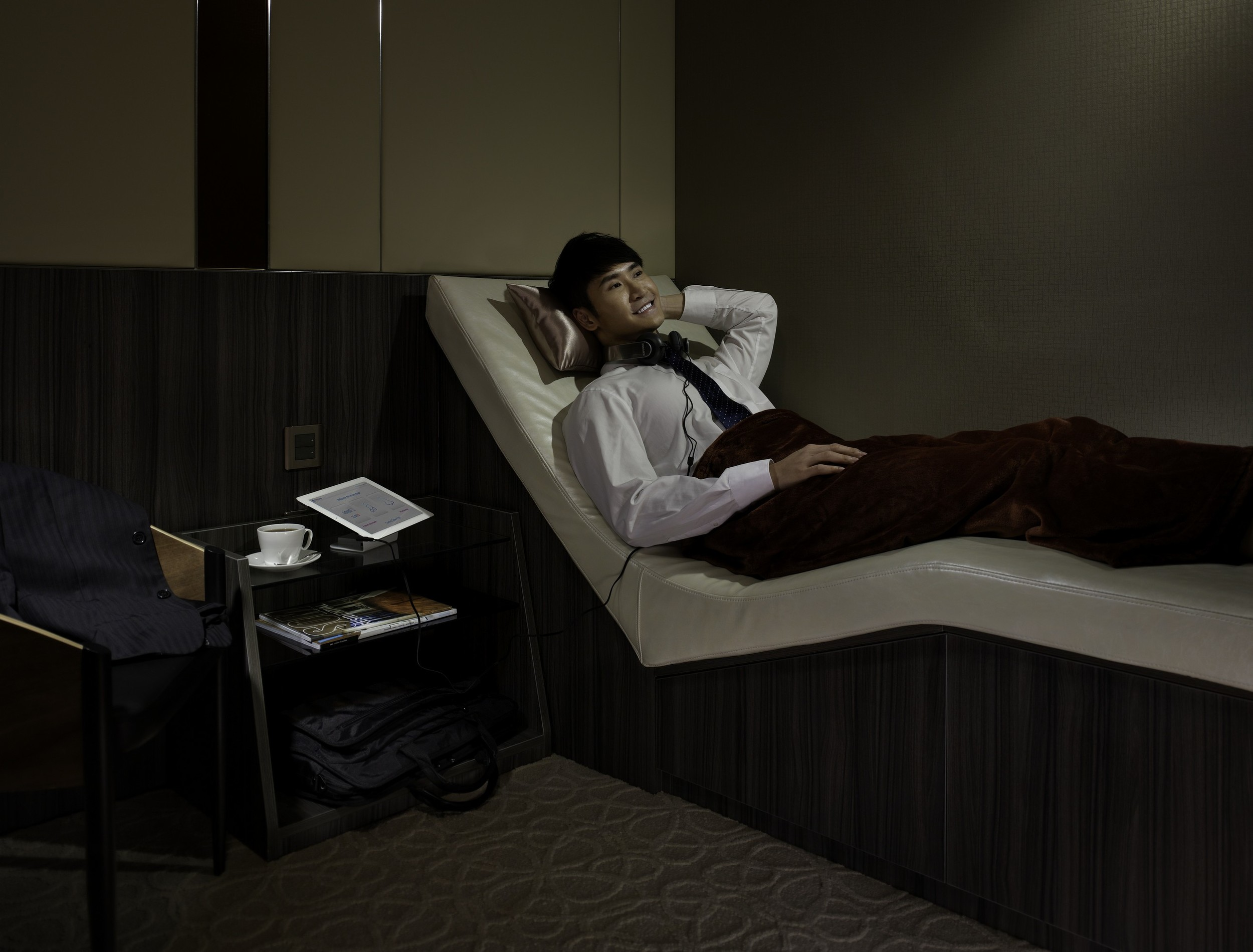 Nap Lounge_Central_First Class Cabin.jpg