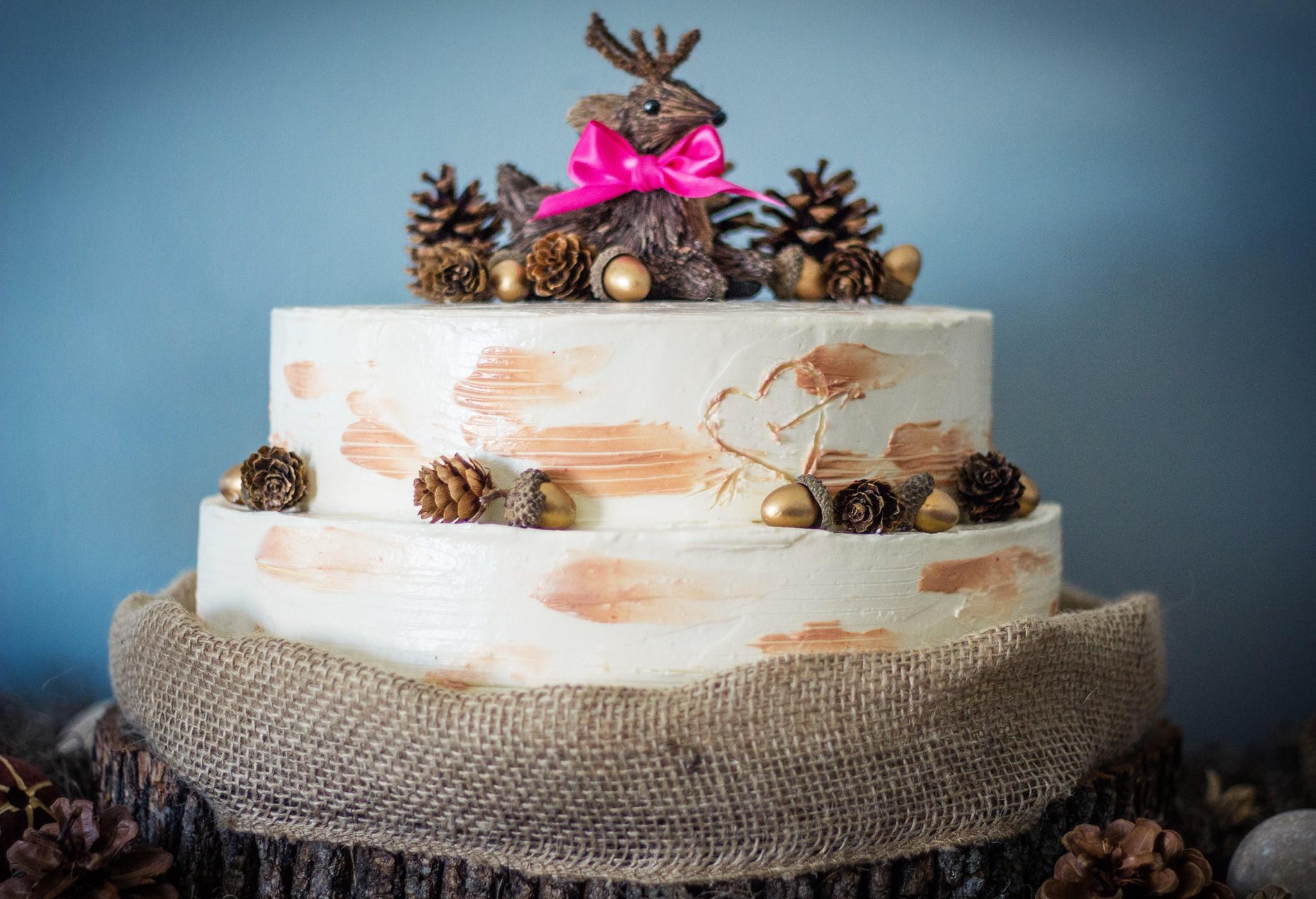 Woodland Baby Shower Cake.jpg