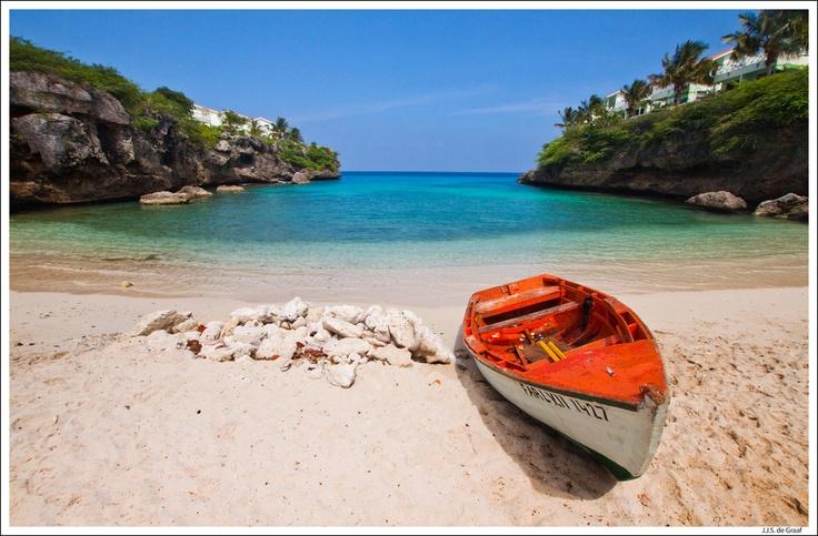 Playa Lagun, Curacao. Picture via  here.